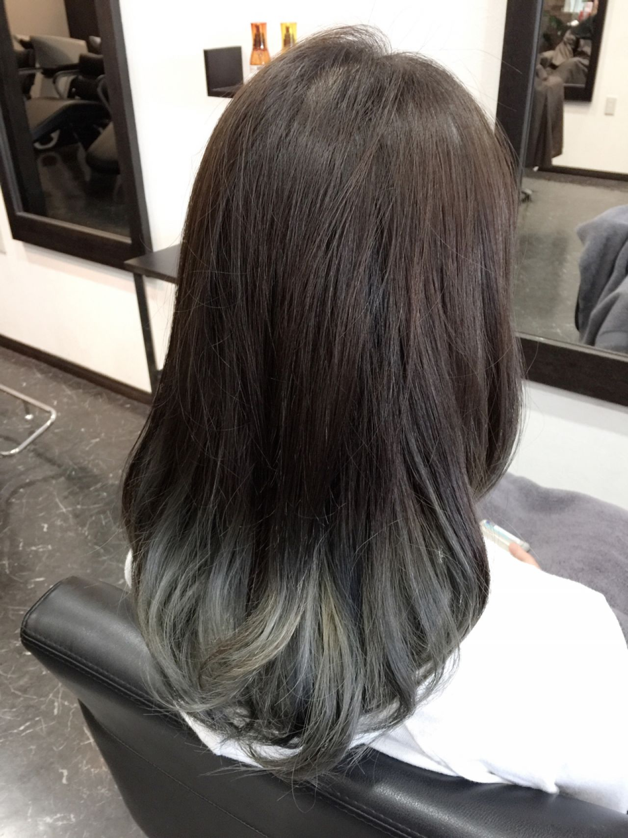 ヘアアレンジ グラデーションカラー セミロング アッシュグラデーション ヘアスタイルや髪型の写真・画像