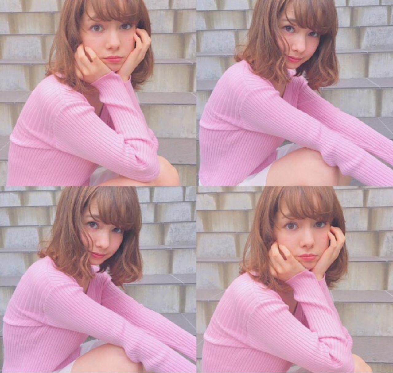 ミディアム くせ毛風 ピュア フェミニン ヘアスタイルや髪型の写真・画像