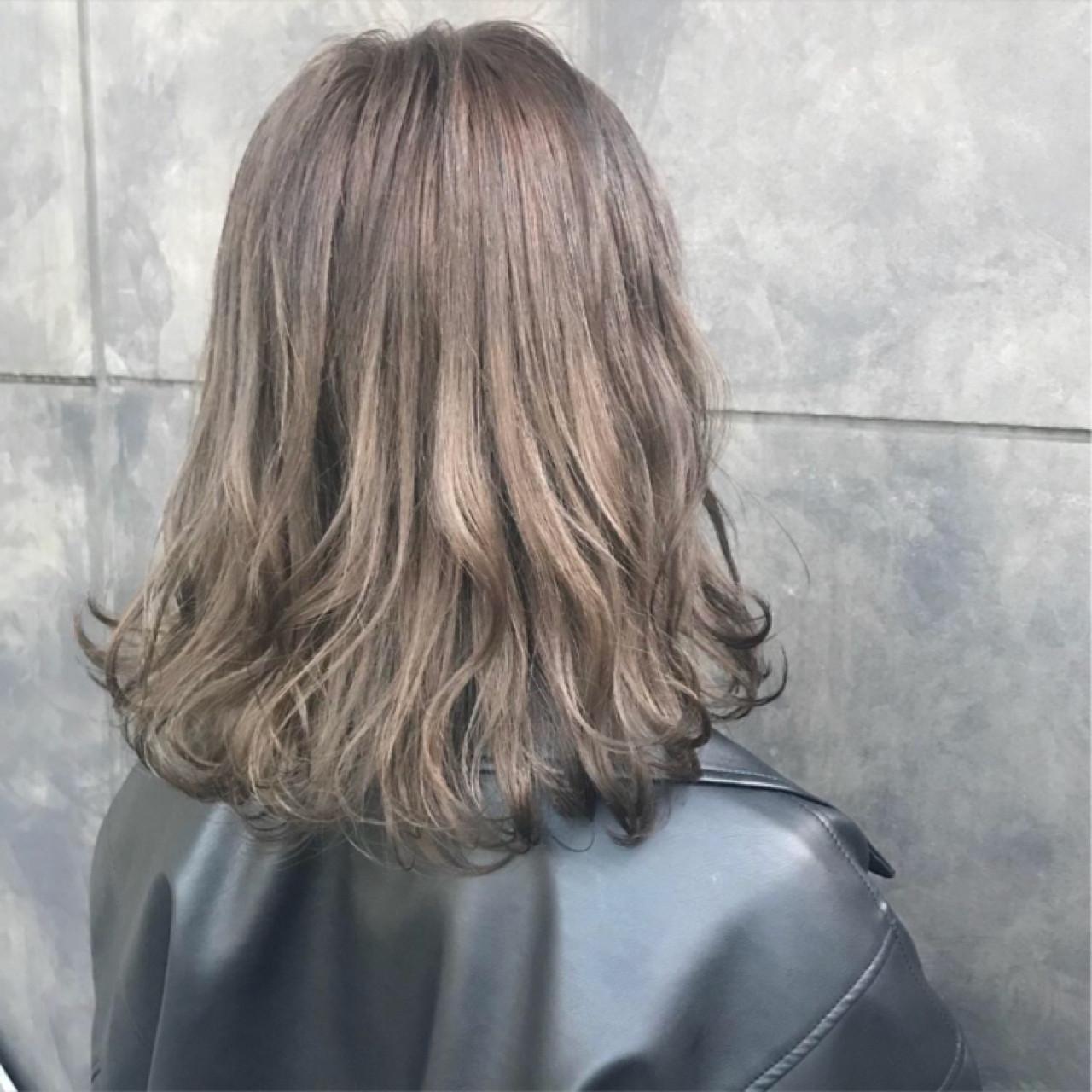 ミディアム ナチュラル ハイトーン ブリーチカラー ヘアスタイルや髪型の写真・画像 | オカモト サキ / SHION harajuku