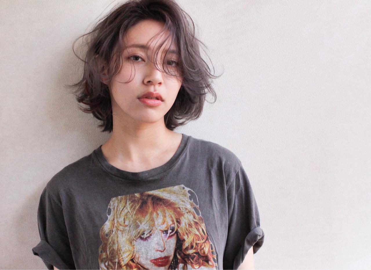 ウェーブ ナチュラル 黒髪 パーマ ヘアスタイルや髪型の写真・画像 | 宮本英文 / grace by afloat