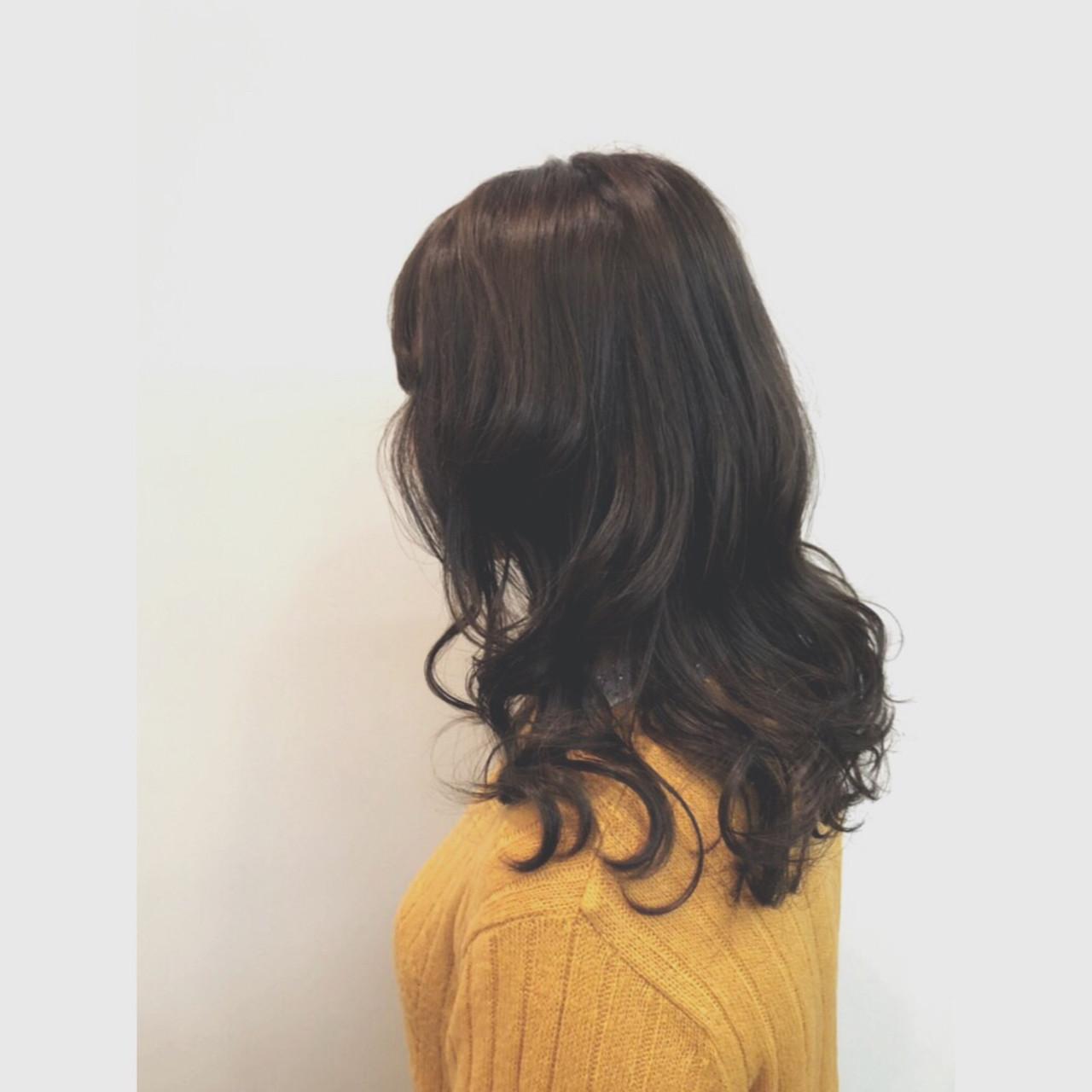 アッシュ ゆるふわ 暗髪 アンニュイほつれヘア ヘアスタイルや髪型の写真・画像