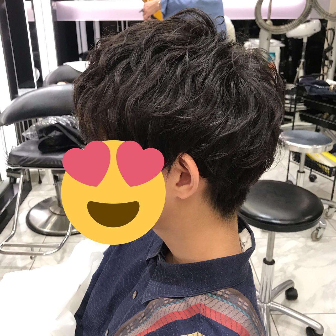 パーマ メンズヘア ナチュラル ショート ヘアスタイルや髪型の写真・画像