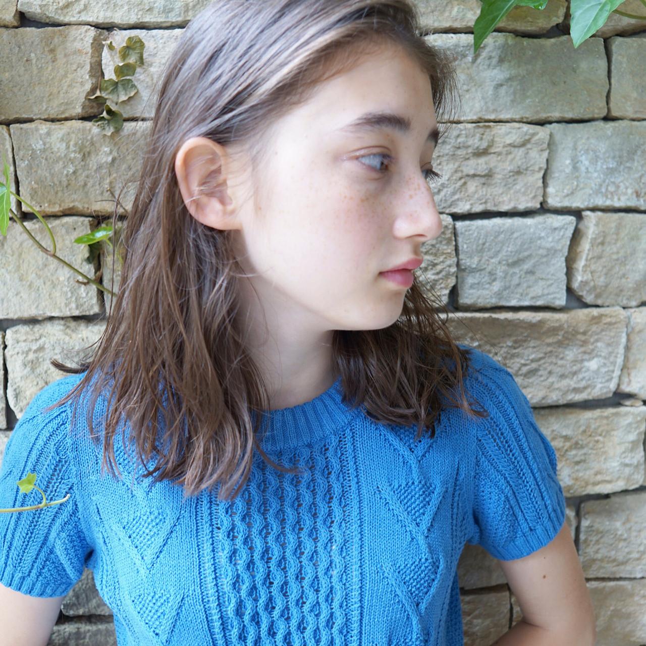 ナチュラル 秋 パーマ グレージュ ヘアスタイルや髪型の写真・画像 | UEKI/nanuk / nanuk二子玉川