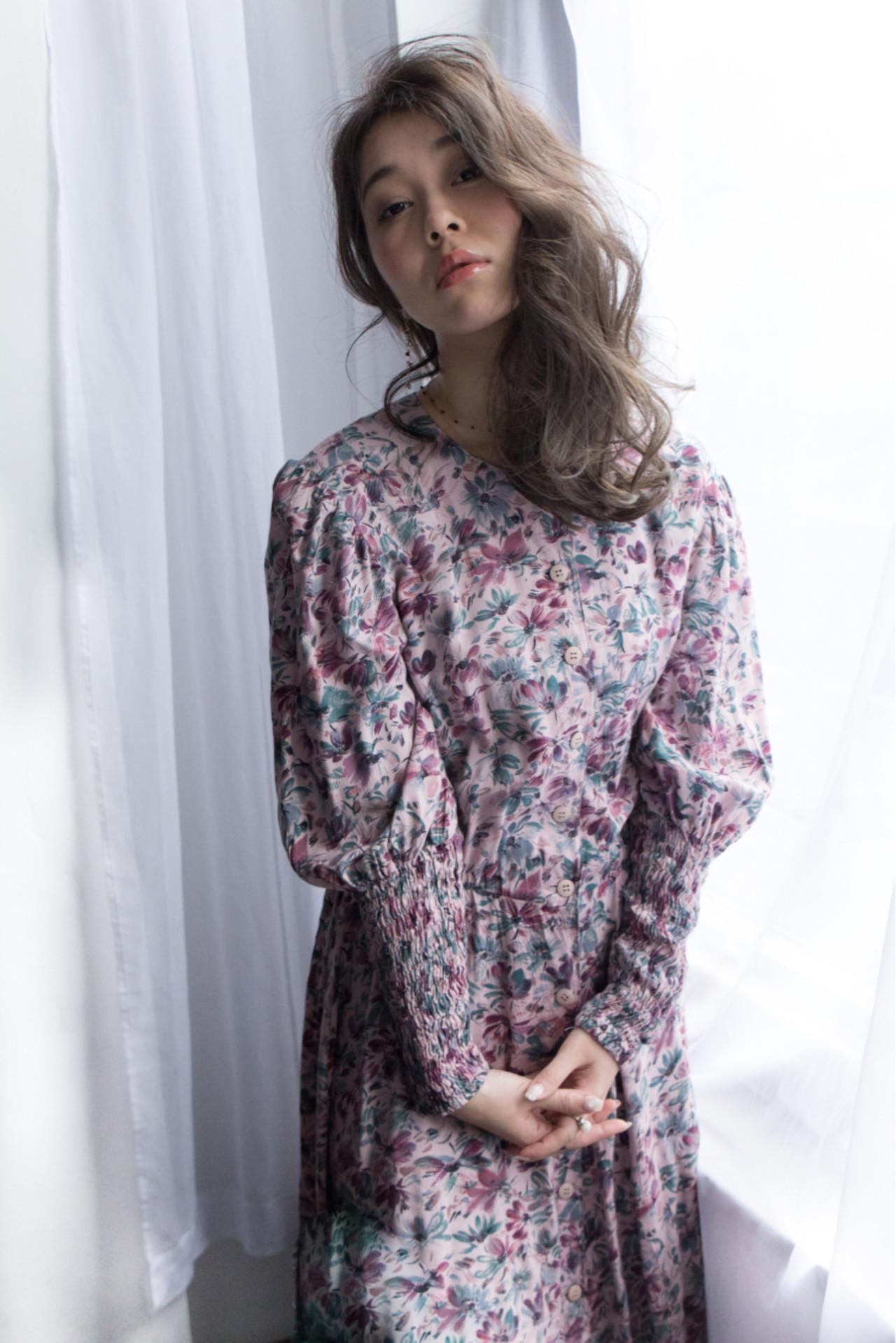 セミロング ゆるふわ フェミニン リラックス ヘアスタイルや髪型の写真・画像