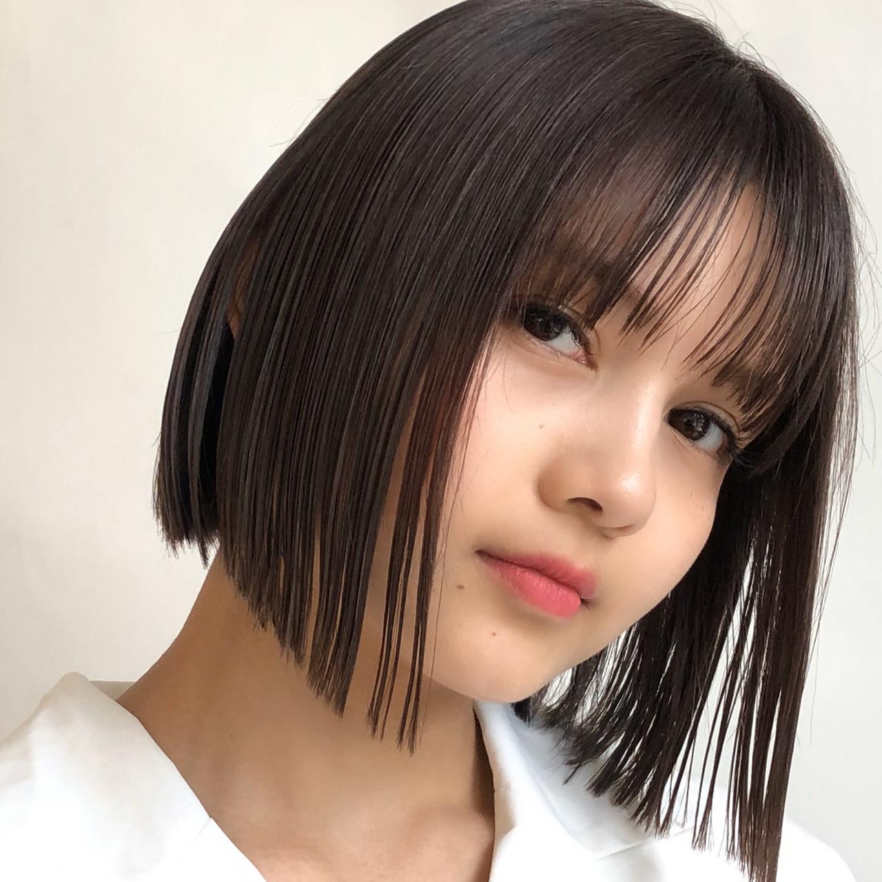 透明感カラー 切りっぱなしボブ シースルーバング ナチュラル ヘアスタイルや髪型の写真・画像