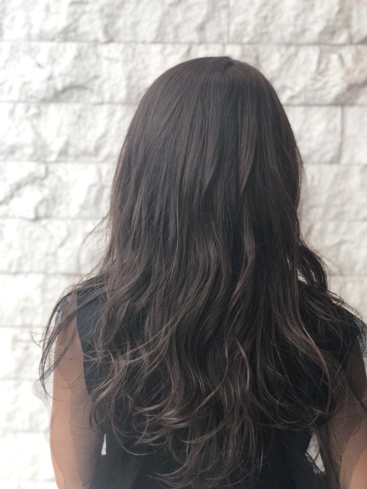 外国人風 グレージュ ハイライト 透明感 ヘアスタイルや髪型の写真・画像 | 武石凌兵 / EARTH荻窪店