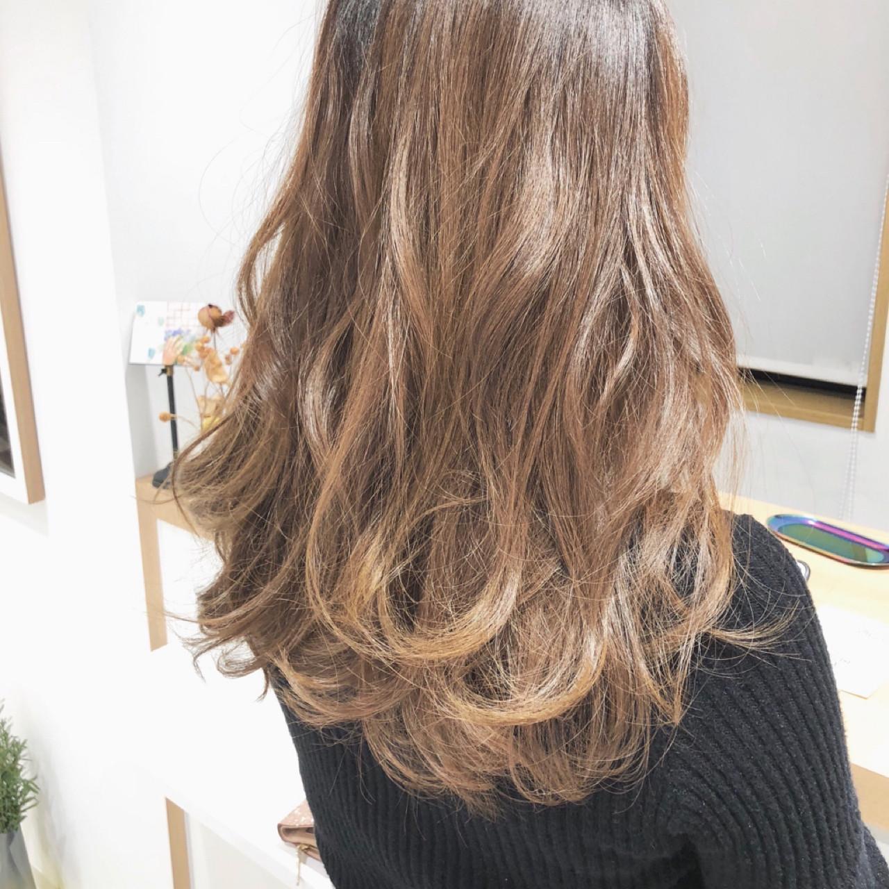 デート 簡単ヘアアレンジ ナチュラル ウェーブ ヘアスタイルや髪型の写真・画像