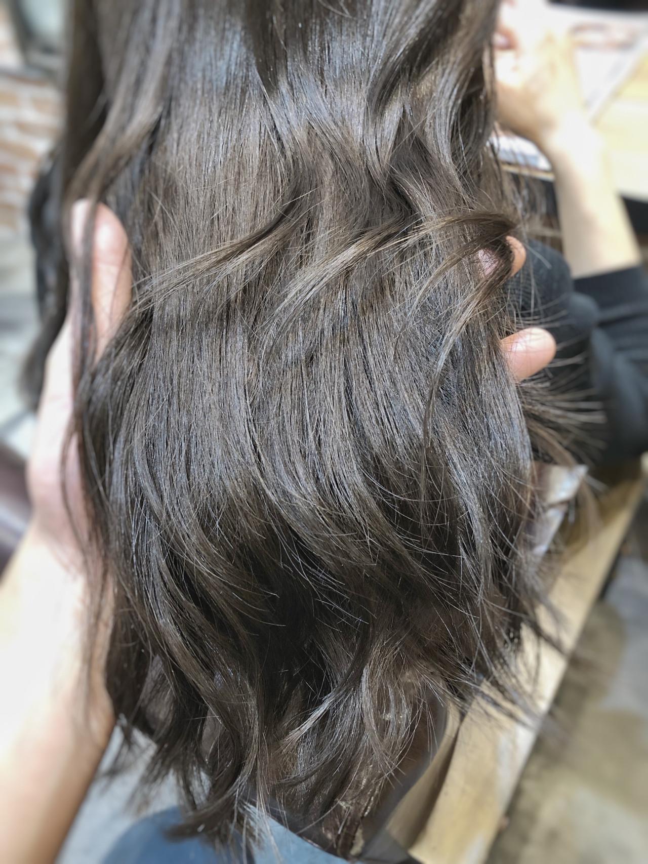 グレージュ デジタルパーマ イルミナカラー 3Dカラー ヘアスタイルや髪型の写真・画像 | 桜井隆太/chobii/プロデューサー/銀座 / chobii 銀座