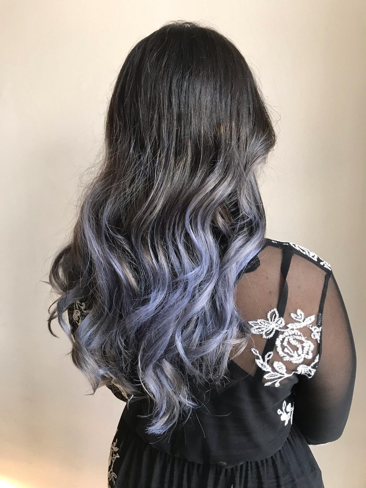個性的 コントラストハイライト ロング 派手髪 ヘアスタイルや髪型の写真・画像