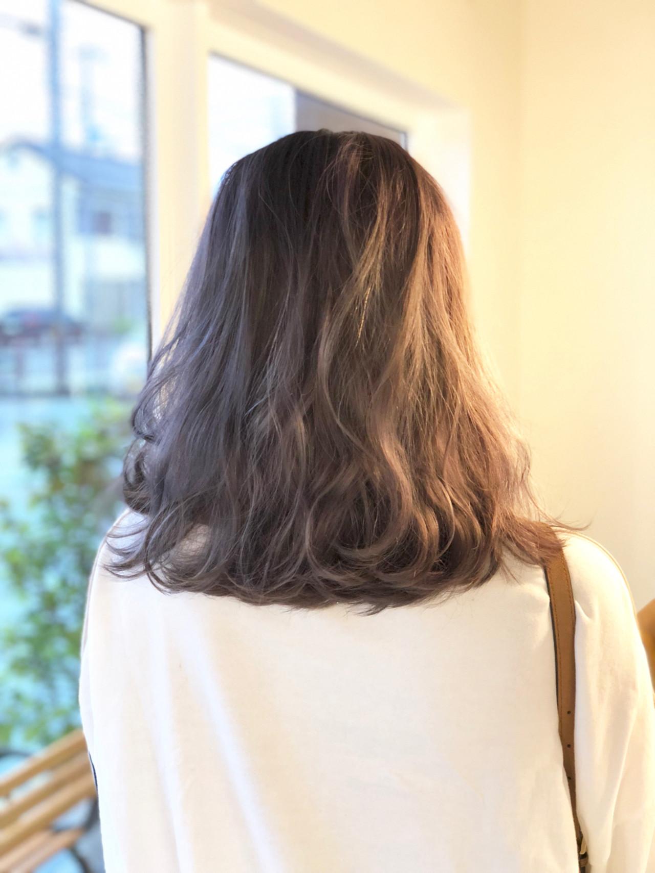 ラベンダーピンク ミルクティー ミルクティーベージュ ラベンダーアッシュ ヘアスタイルや髪型の写真・画像