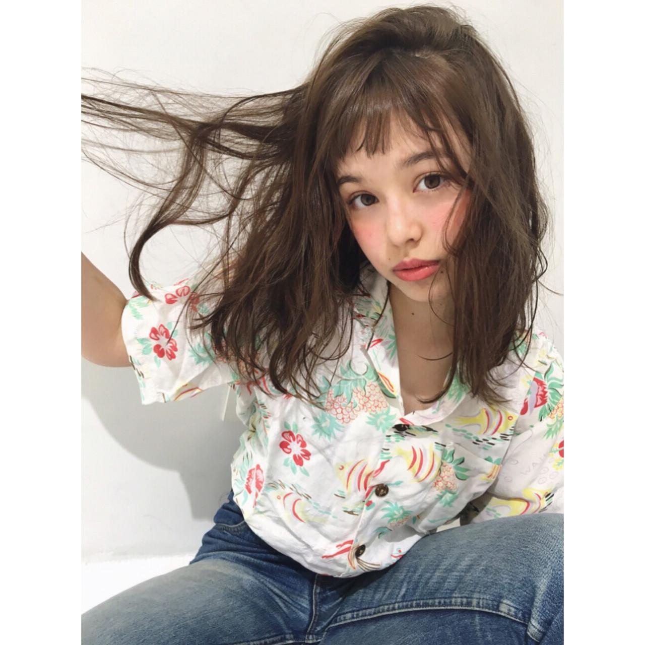 ワイドバング ガーリー 外国人風 ミディアム ヘアスタイルや髪型の写真・画像
