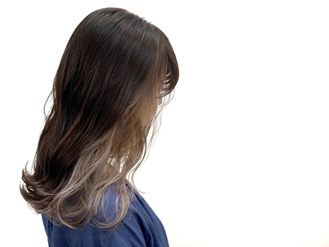 アンニュイほつれヘア グレージュ ロング 透明感 ヘアスタイルや髪型の写真・画像 | 富山 美容師 朝岡 佑介 / HUE【ヒュー】