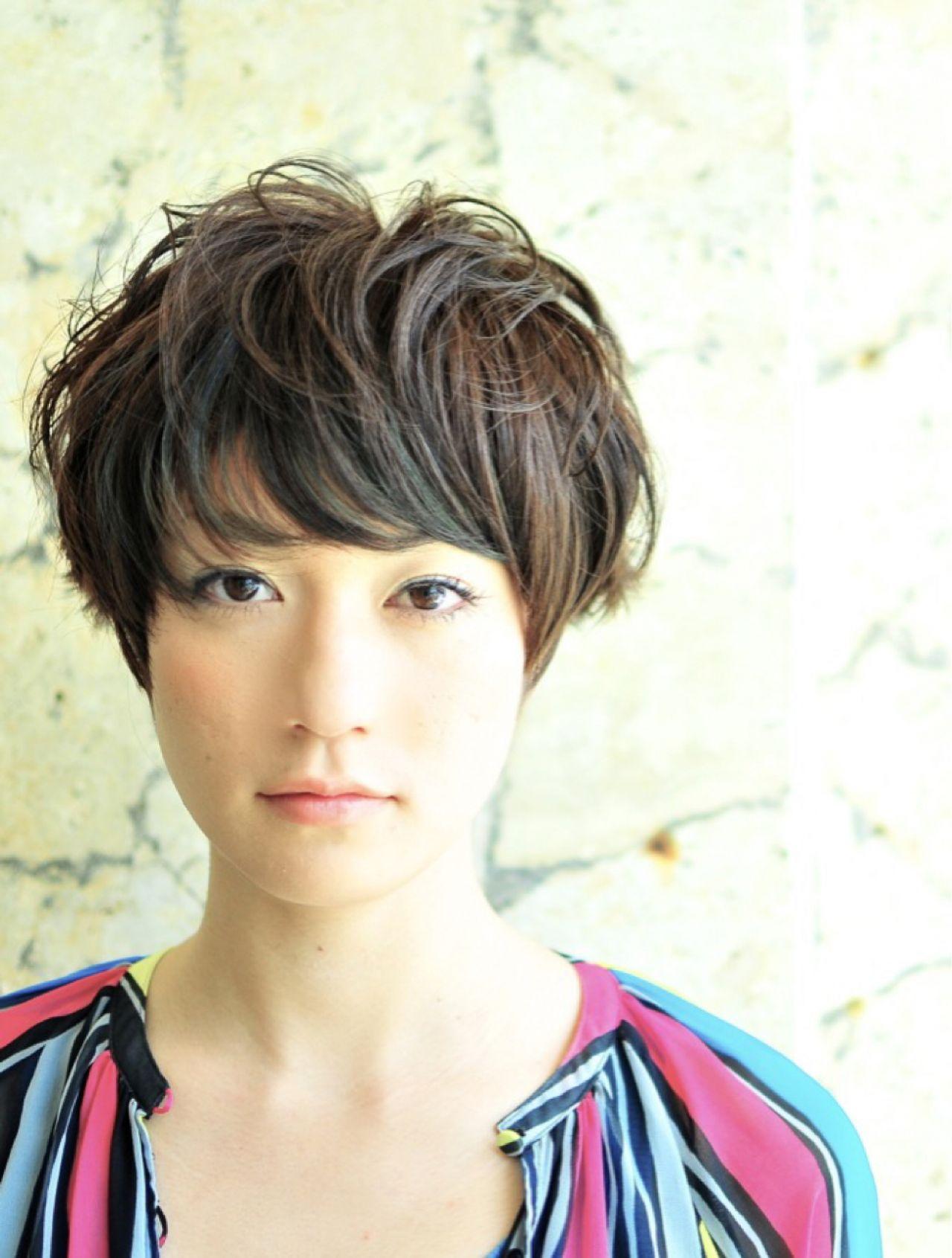 黒髪 ショート ヘアスタイルや髪型の写真・画像