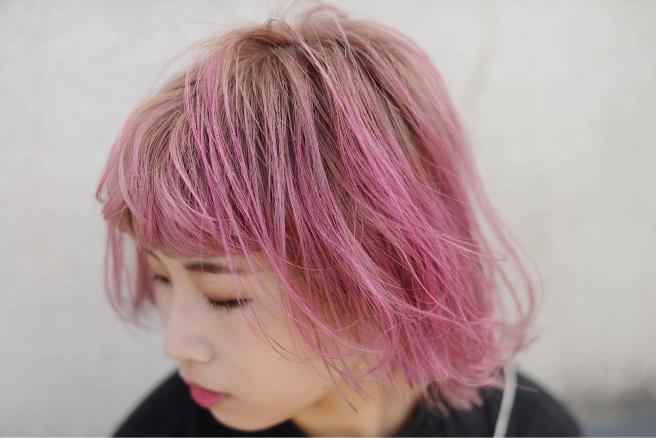 ベリーピンク ミディアム アンニュイ ピンク ヘアスタイルや髪型の写真・画像 | 根岸和也 / studio menos