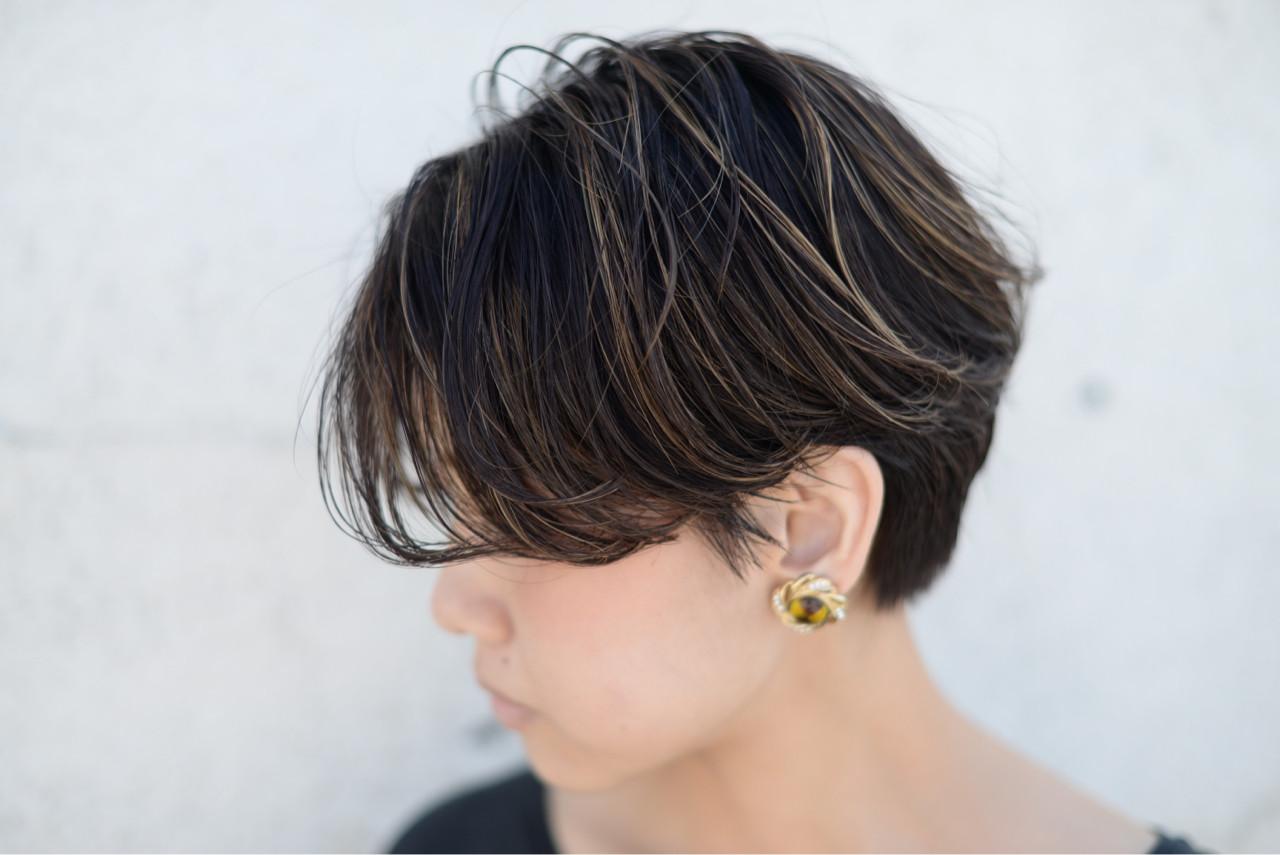 ウェーブ ストリート 外国人風 ハイライト ヘアスタイルや髪型の写真・画像   根岸和也 / studio menos