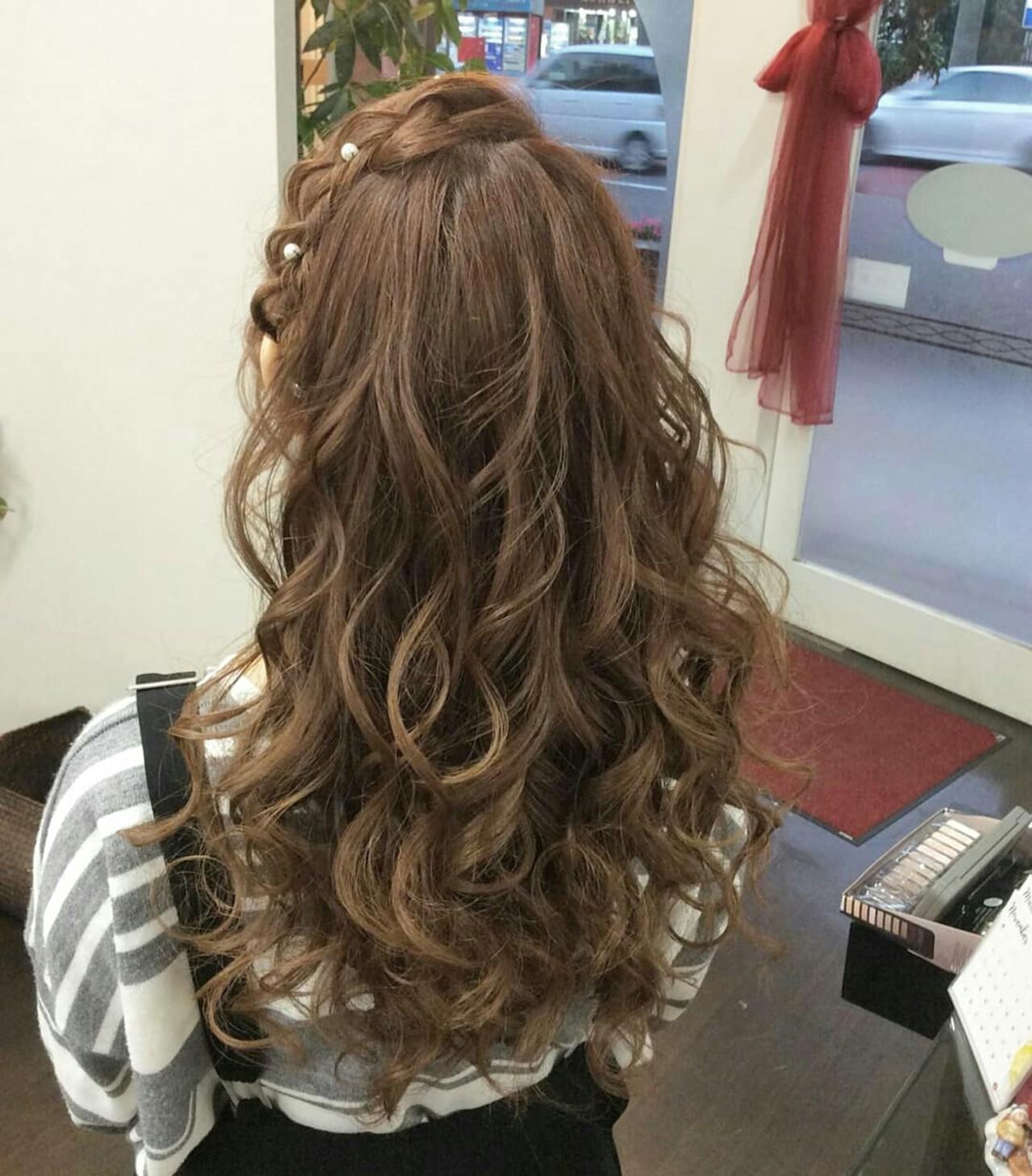 編み込み ハーフアップ ヘアアレンジ ナチュラル ヘアスタイルや髪型の写真・画像