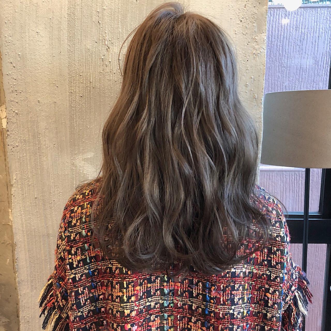 暗髪 結婚式 オフィス セミロング ヘアスタイルや髪型の写真・画像 | 冨永 真太郎 / 人トナリ