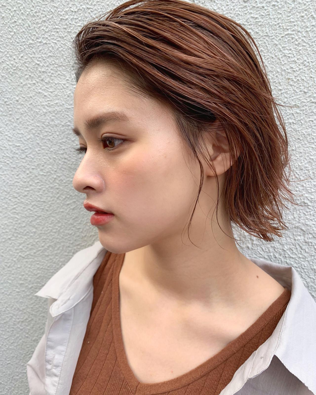 ナチュラル ピンクアッシュ ミディアム ピンクベージュ ヘアスタイルや髪型の写真・画像