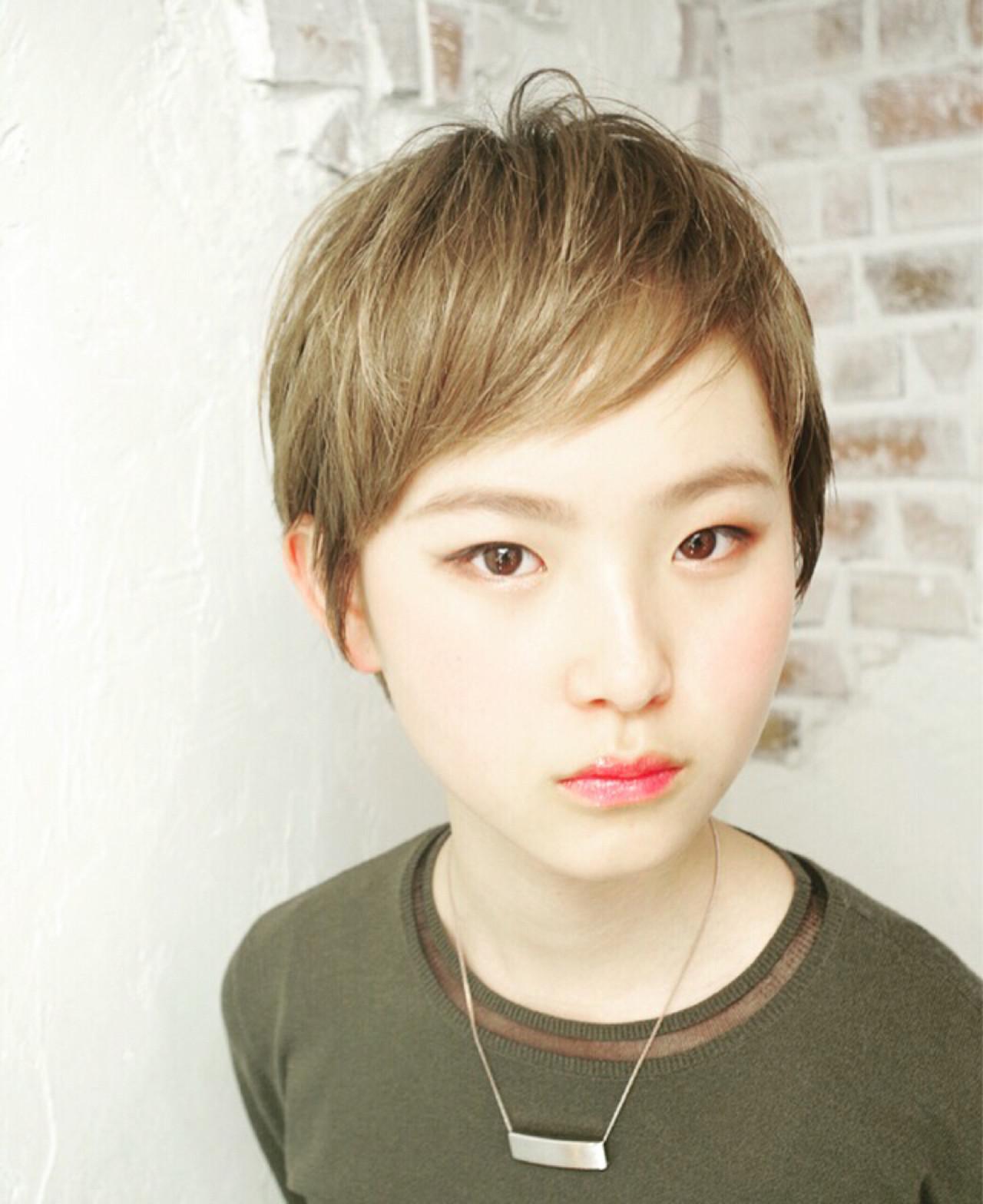 ピュア アッシュベージュ ショート ナチュラル ヘアスタイルや髪型の写真・画像 | Nao Kokubun blast / blast