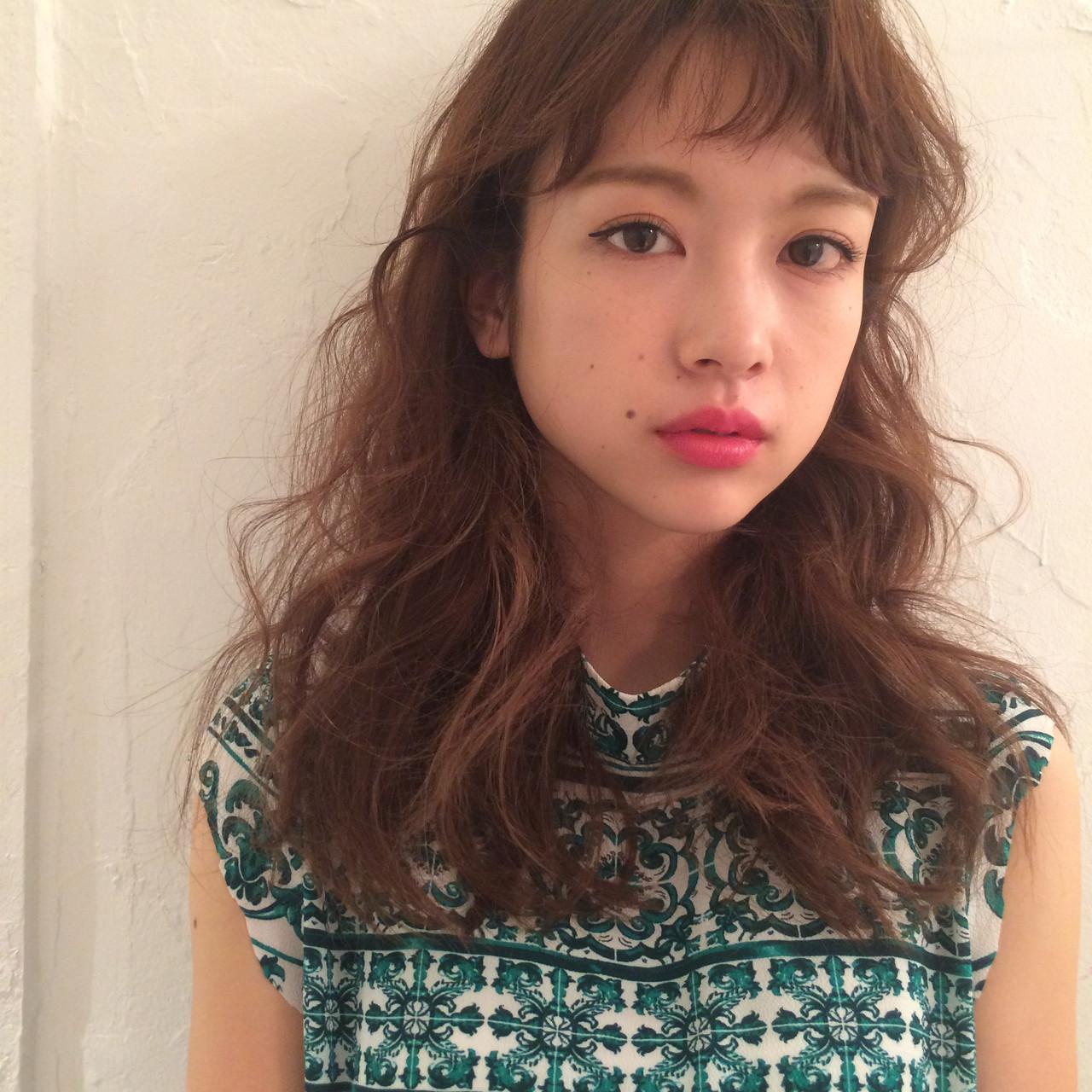 外国人風カラー ハイライト ロング 大人ハイライト ヘアスタイルや髪型の写真・画像   KT / フリー