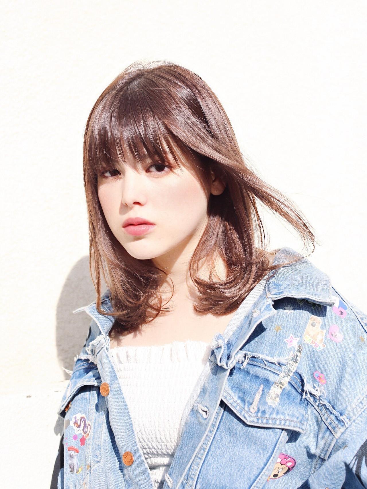 外国人風 ガーリー ミディアム オフィス ヘアスタイルや髪型の写真・画像