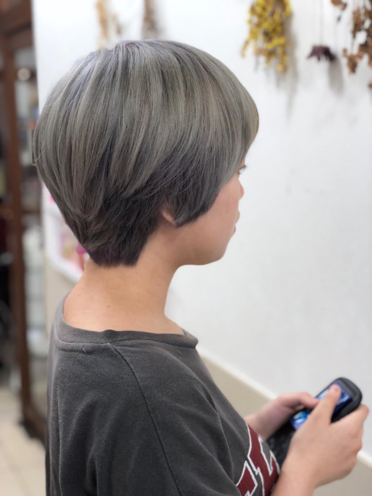 グレー 艶髪 ハイトーン ショート ヘアスタイルや髪型の写真・画像