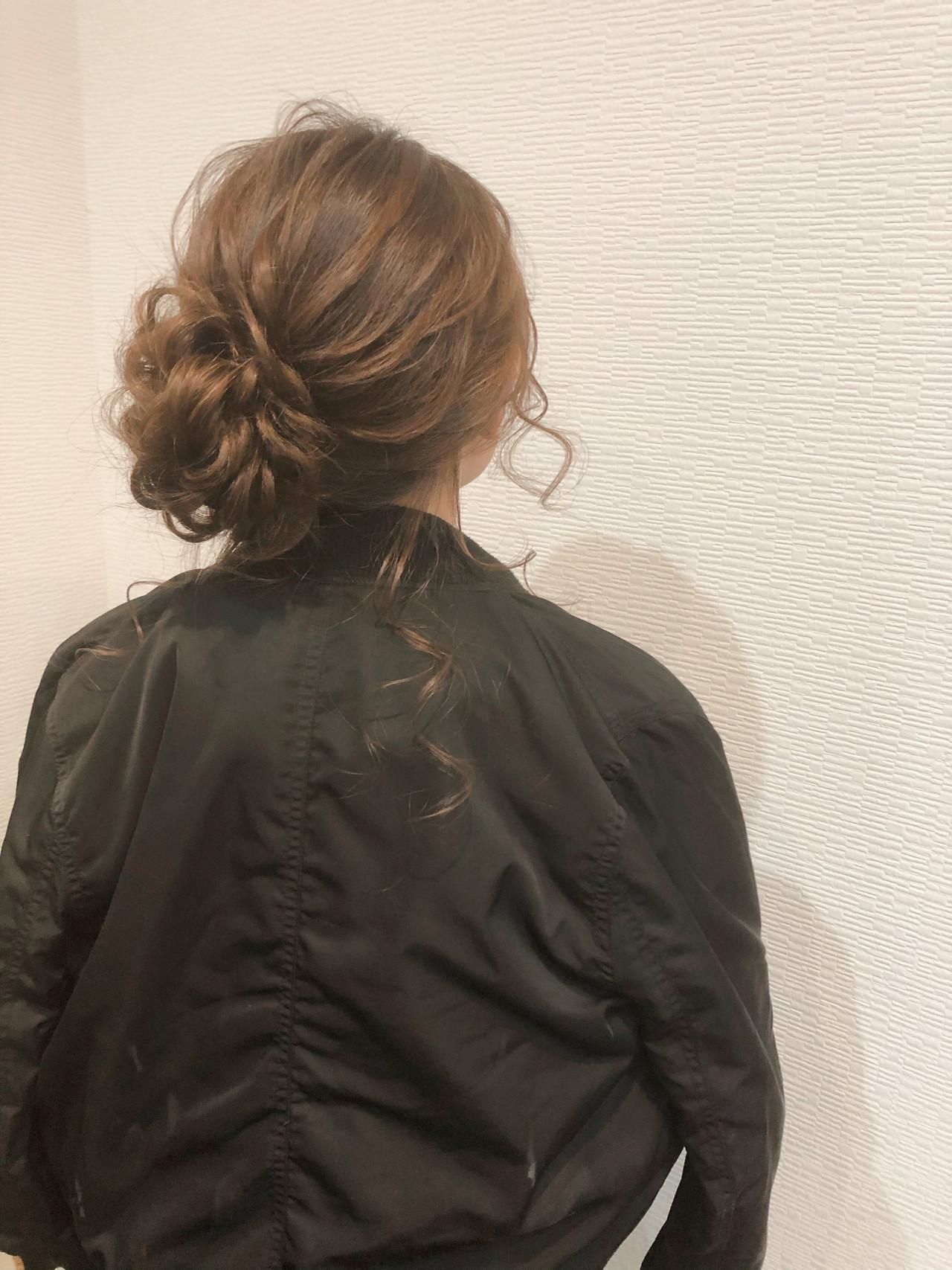 フェミニン お団子 セミロング ヘアセット ヘアスタイルや髪型の写真・画像
