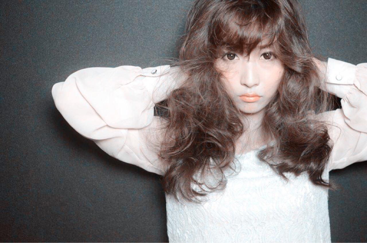 ロング ブラウン 前髪あり 外国人風 ヘアスタイルや髪型の写真・画像 | 佐伯 直哉 / air-KOBE