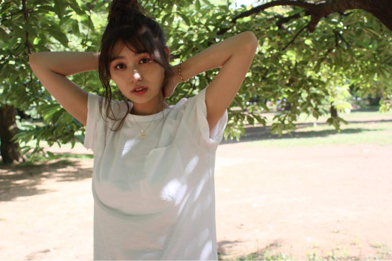 ウェーブ ミディアム 簡単ヘアアレンジ お団子 ヘアスタイルや髪型の写真・画像 | 野口友美 / coconiwa