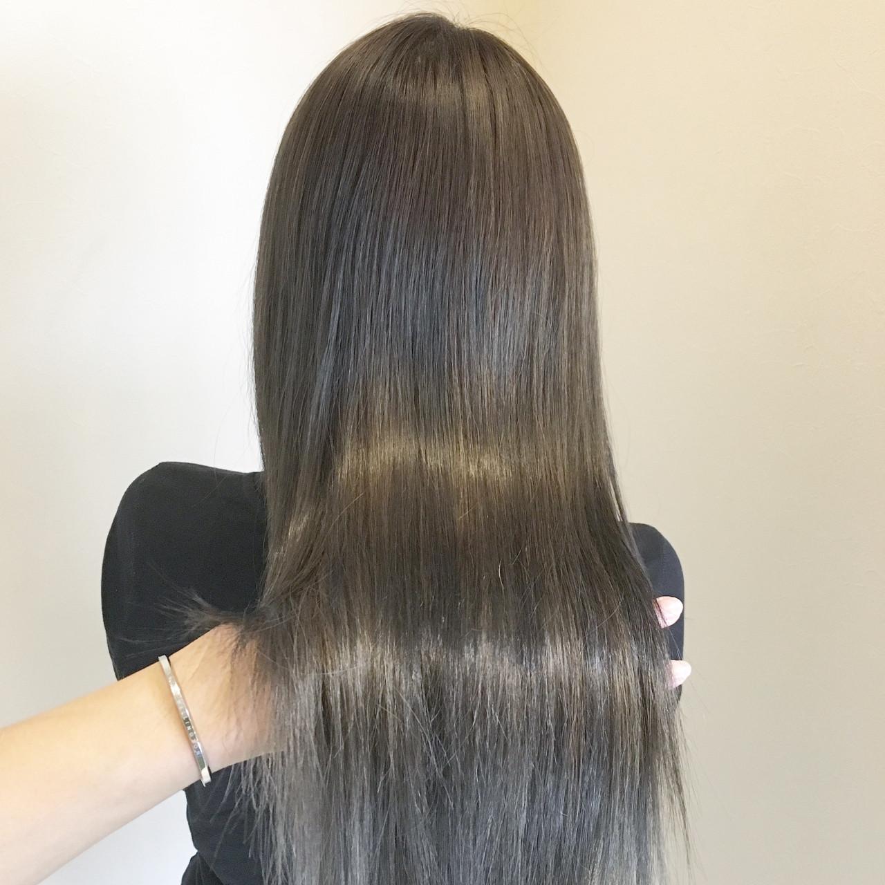 透明感 外国人風カラー アッシュ ロング ヘアスタイルや髪型の写真・画像 | 古作 蓮 / 美容室 MICHI 富田店
