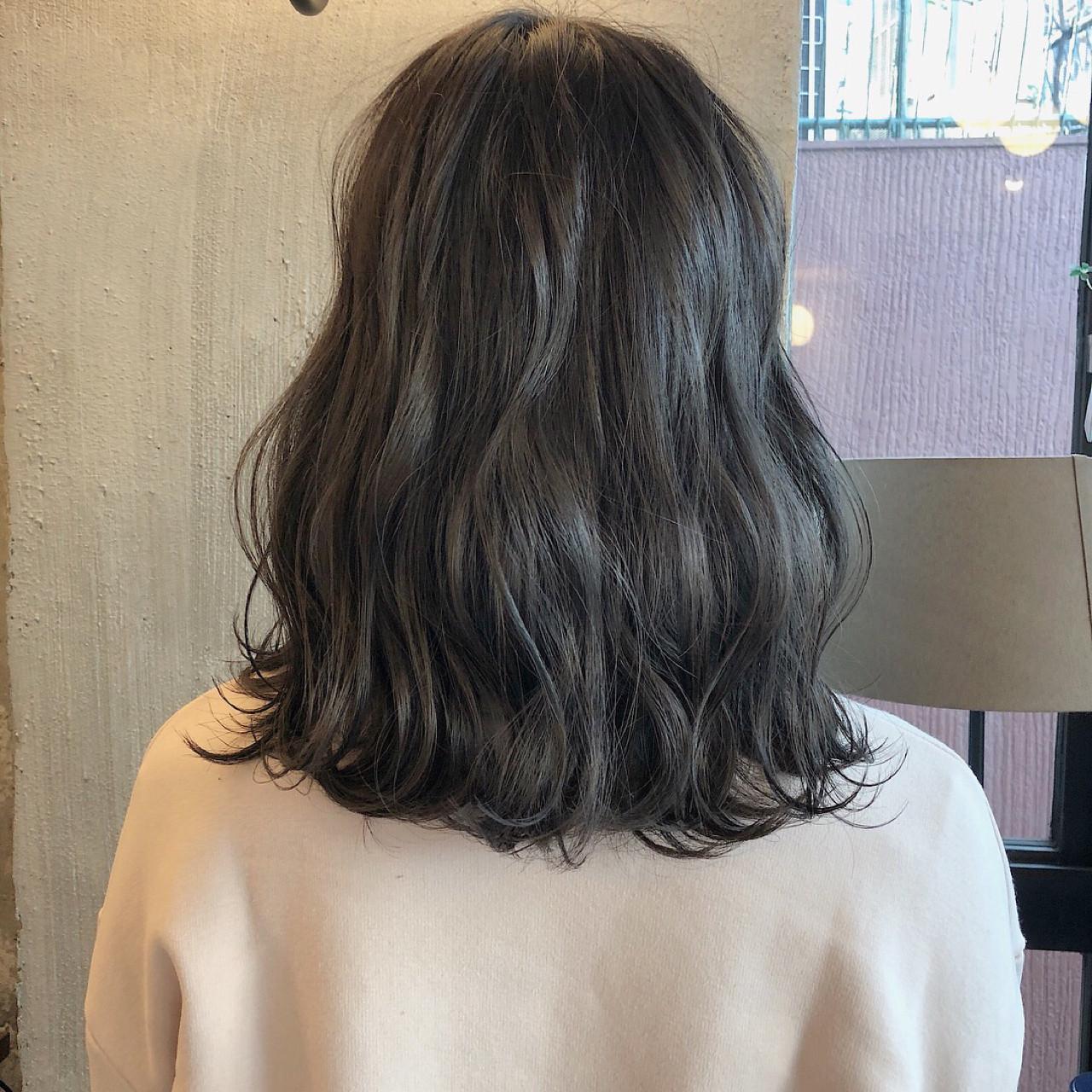 ヘアアレンジ ナチュラル 暗髪 ロブ ヘアスタイルや髪型の写真・画像 | 冨永 真太郎 / 人トナリ