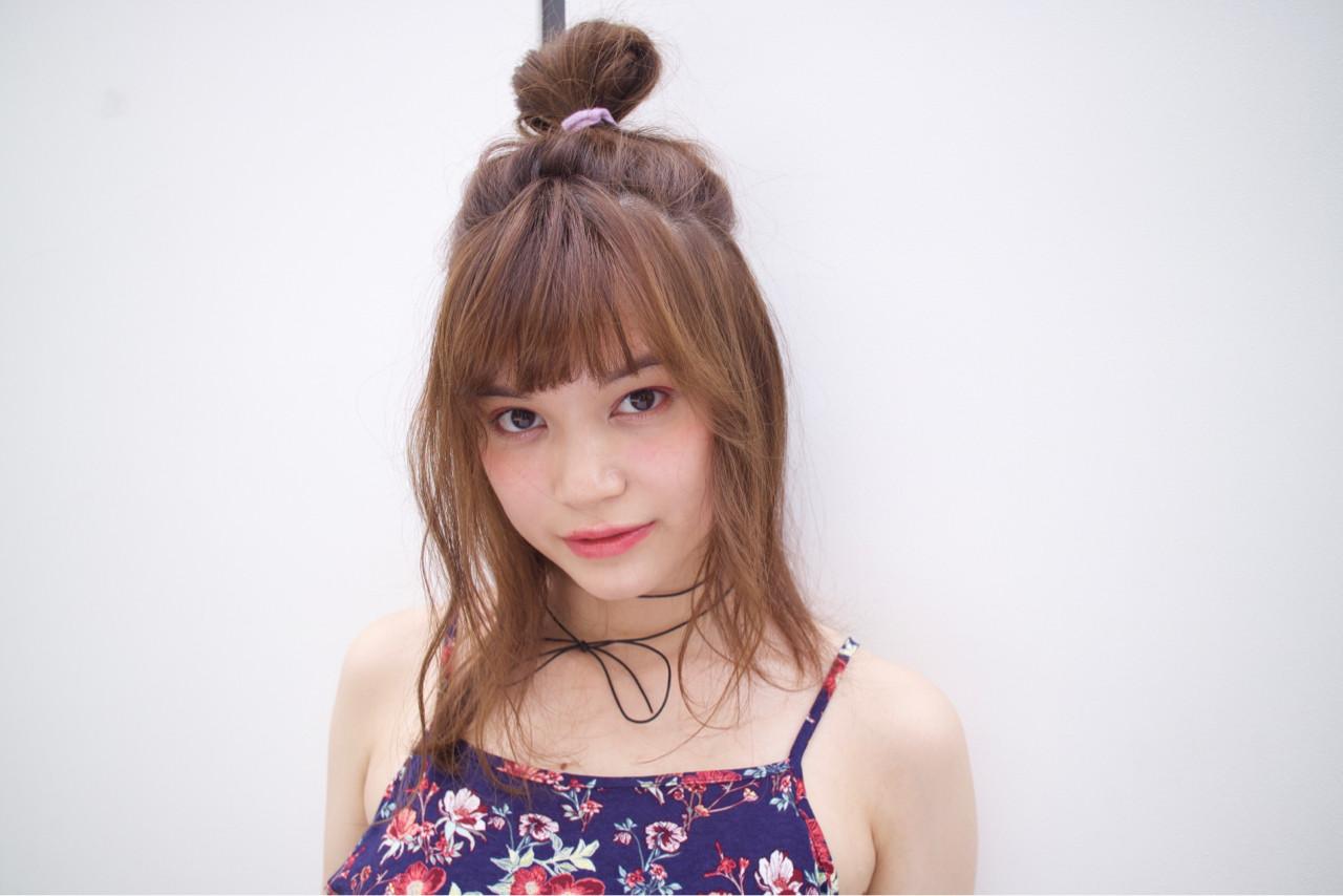 ガーリー ミディアム ヘアアレンジ パーマ ヘアスタイルや髪型の写真・画像