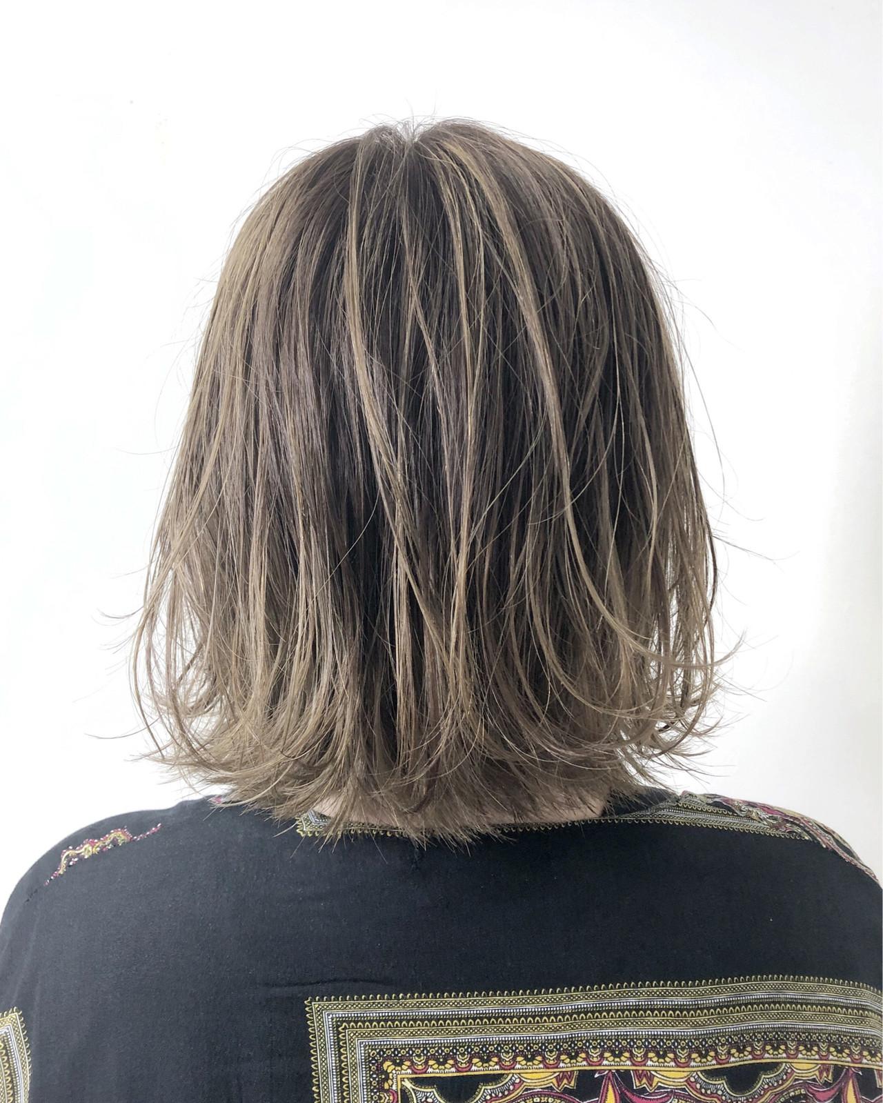 ブリーチオンカラー ハイライト ストリート グレージュ ヘアスタイルや髪型の写真・画像 | 松本 忠晴 / mixjam+Musee