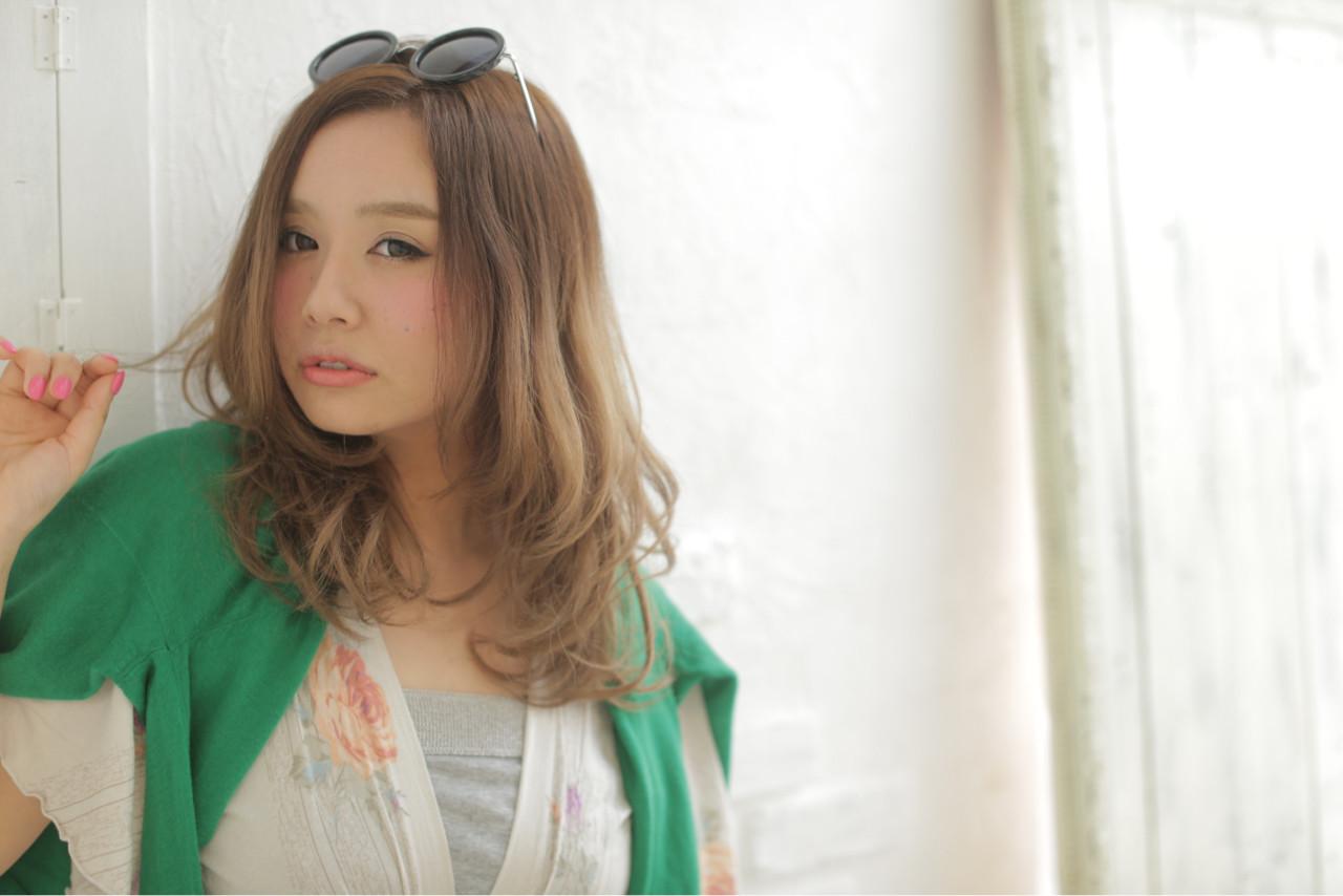 セミロング 大人かわいい グラデーションカラー フェミニン ヘアスタイルや髪型の写真・画像