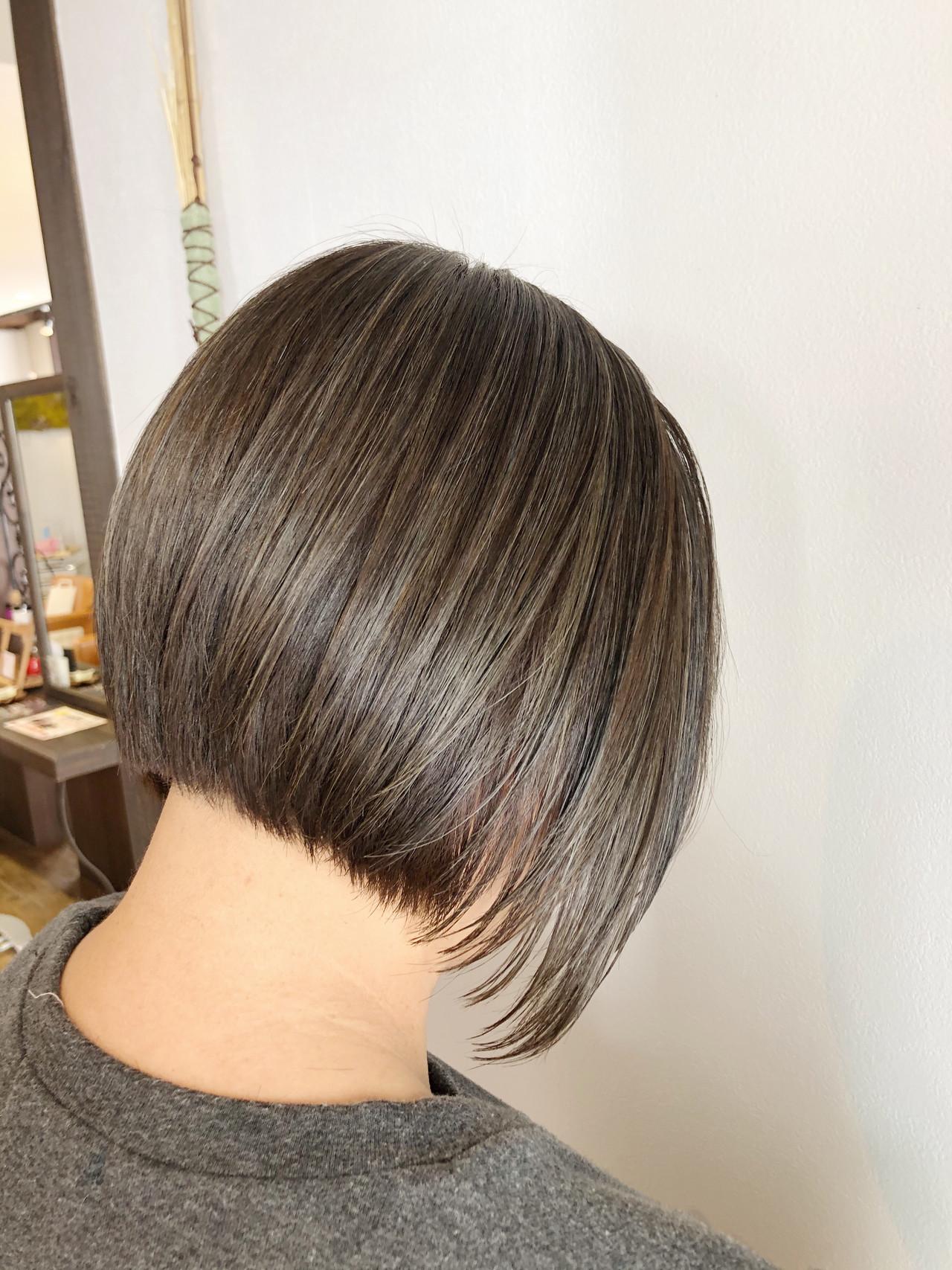 【知っておきたい】若白髪に要注意!白髪ができる4つの原因と対策