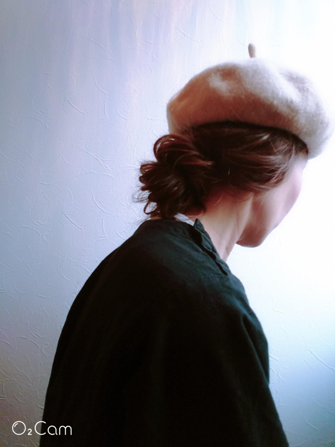 ベレー帽 ミディアム ナチュラル 大人アレンジ ヘアスタイルや髪型の写真・画像