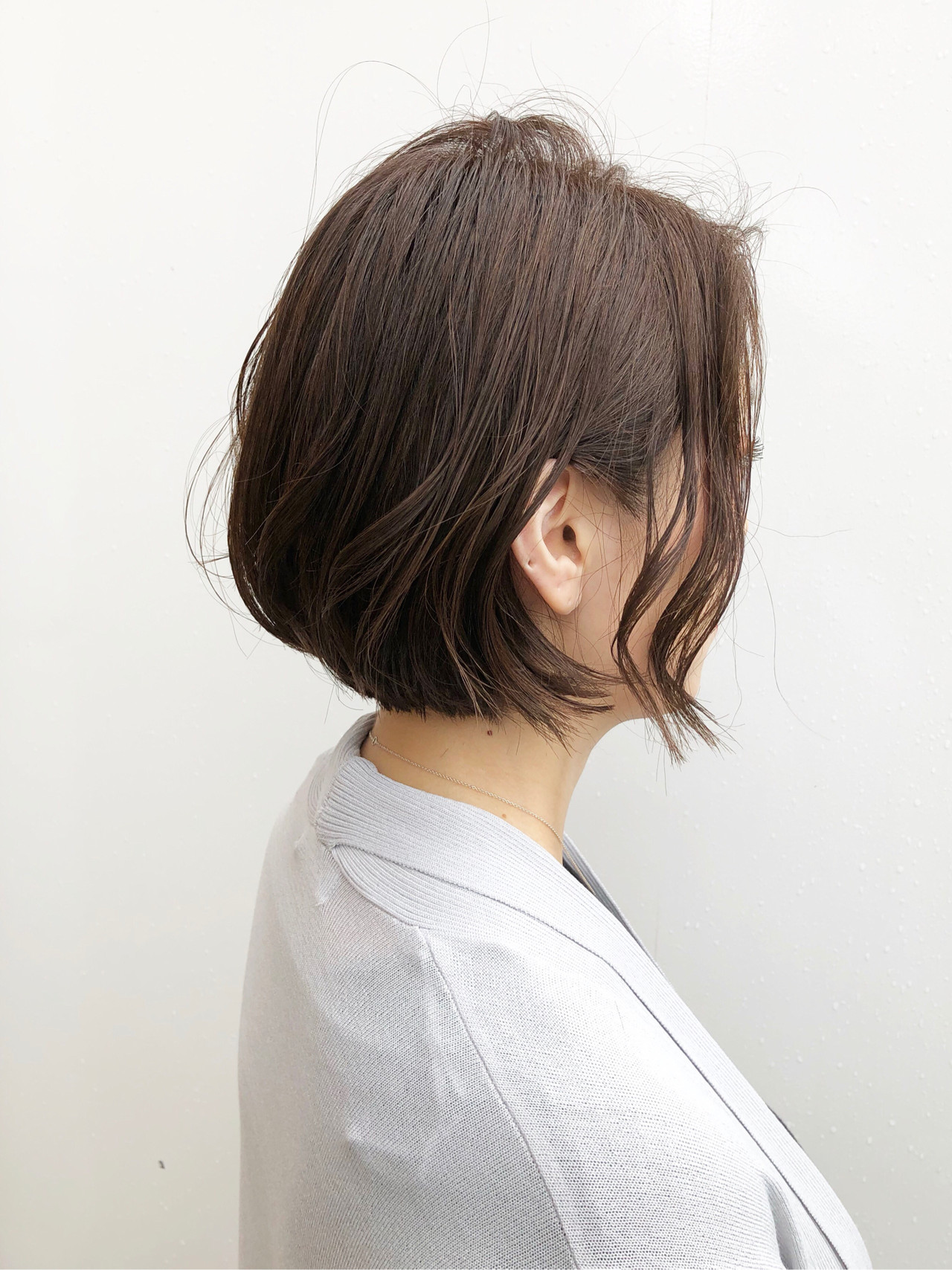 ボブ ベージュ デート パーマ ヘアスタイルや髪型の写真・画像 | 出塩 浩之 / MORIO FROM LONDON さいたま新都心