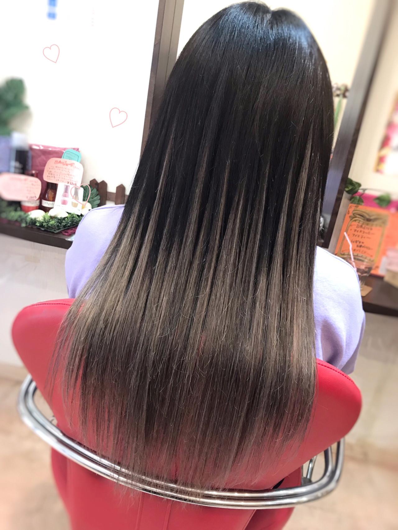 外国人風 ロング ナチュラル 黒髪 ヘアスタイルや髪型の写真・画像 | リズム / エクステンションリズム北千住店