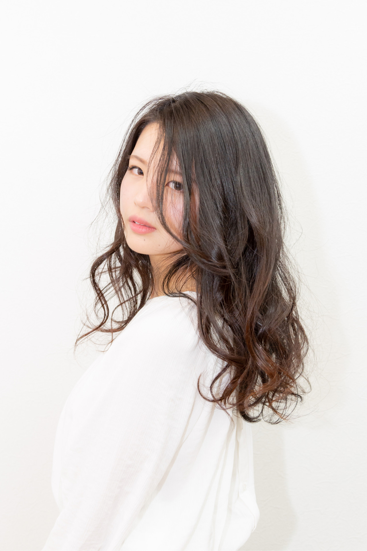 アンニュイほつれヘア 大人かわいい 大人女子 ナチュラル ヘアスタイルや髪型の写真・画像 | 松本てるひと / HAIR GENTIL【ヘアー ジャンティ】