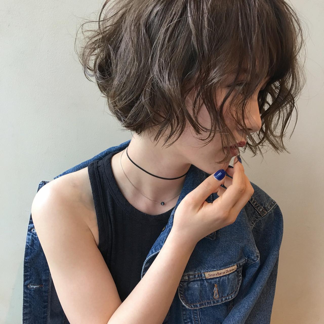 大人女子に人気の髪型とは?力の抜けたナチュラルさが魅力のヘアスタイル10選  齋藤純也
