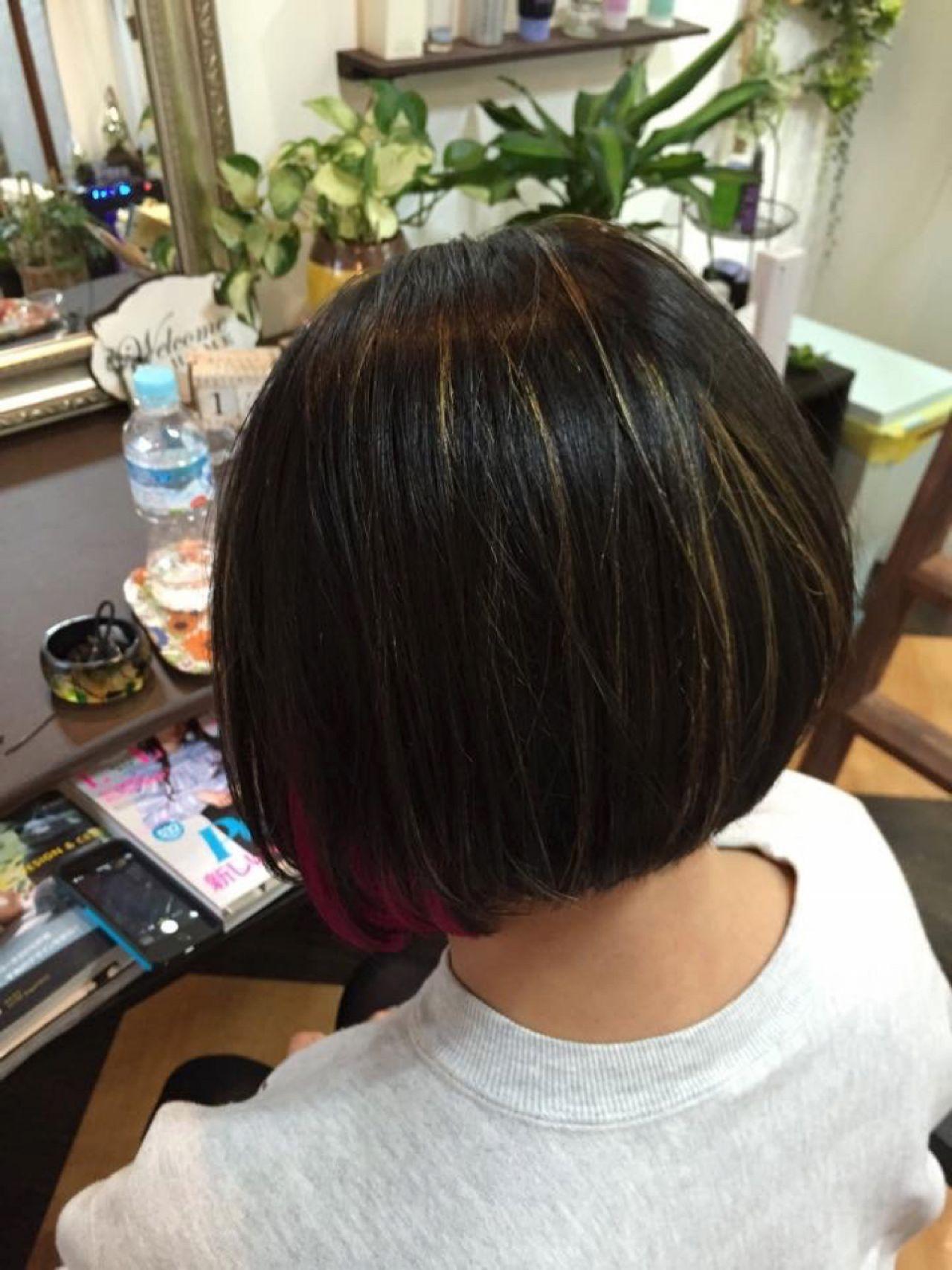 ボブ 黒髪 インナーカラー 外国人風 ヘアスタイルや髪型の写真・画像