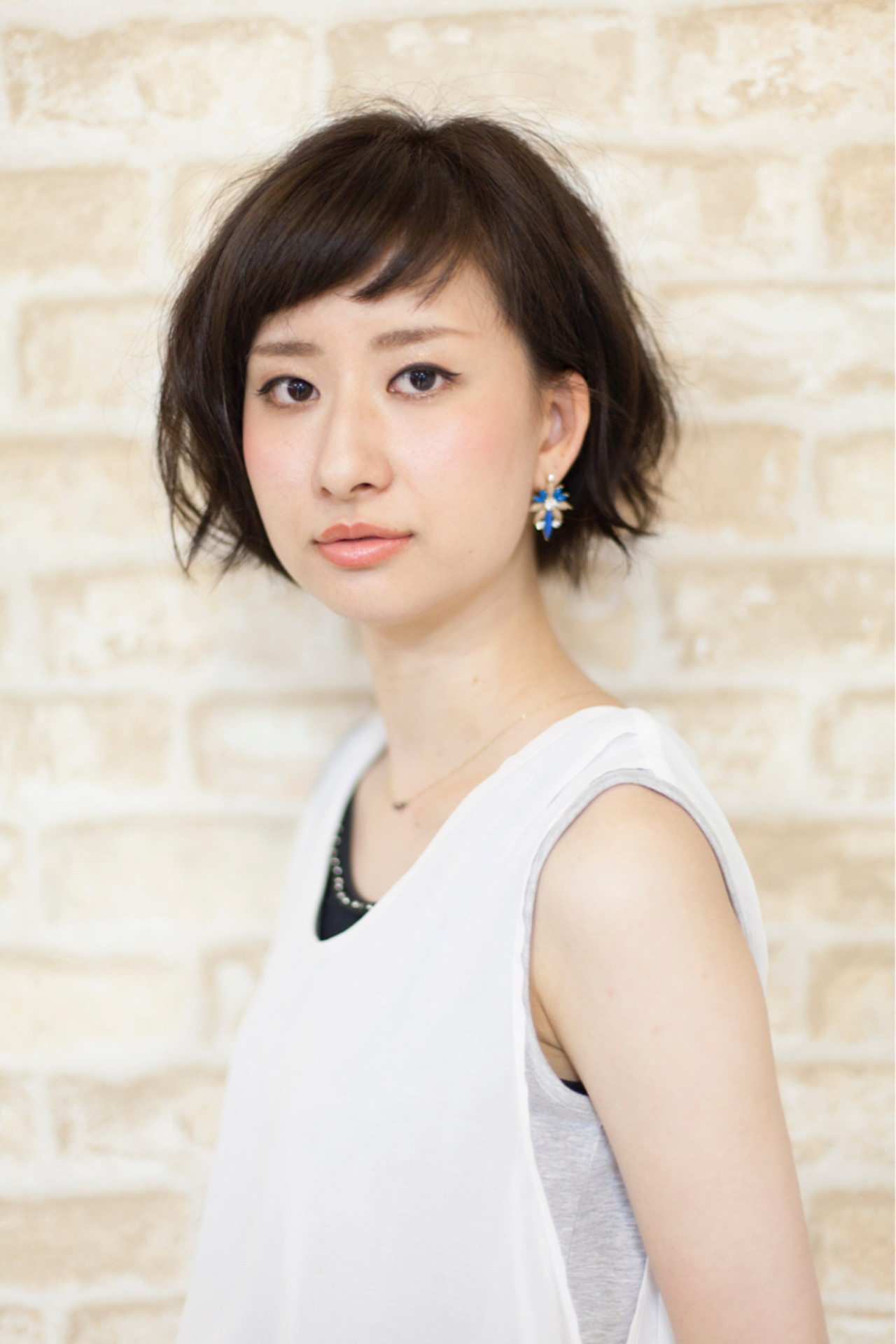 小顔 ショートボブ ナチュラル ショートバング ヘアスタイルや髪型の写真・画像 | 石川宏一 / AGATA hair