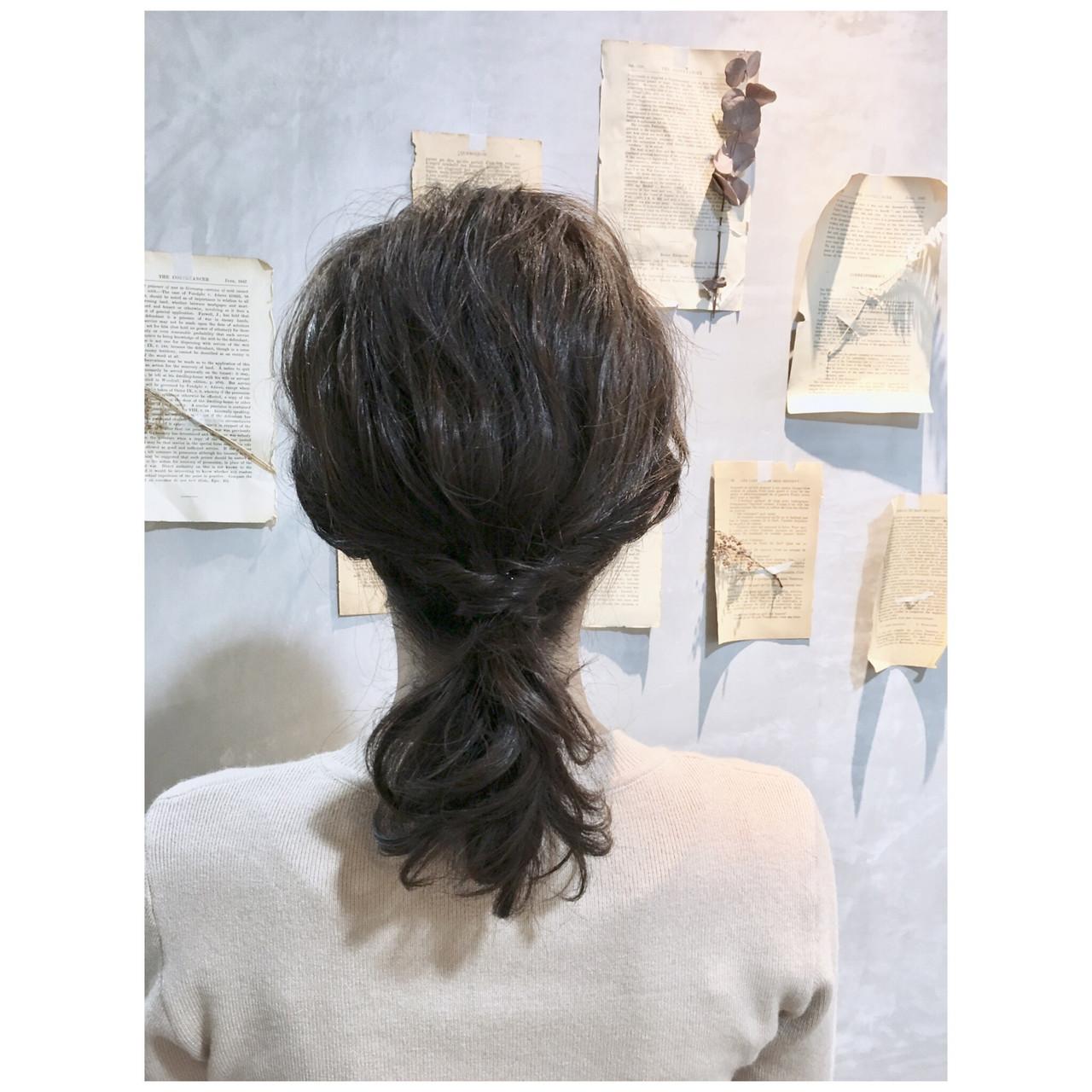 ベージュ ヘアアレンジ スモーキーカラー ミディアム ヘアスタイルや髪型の写真・画像