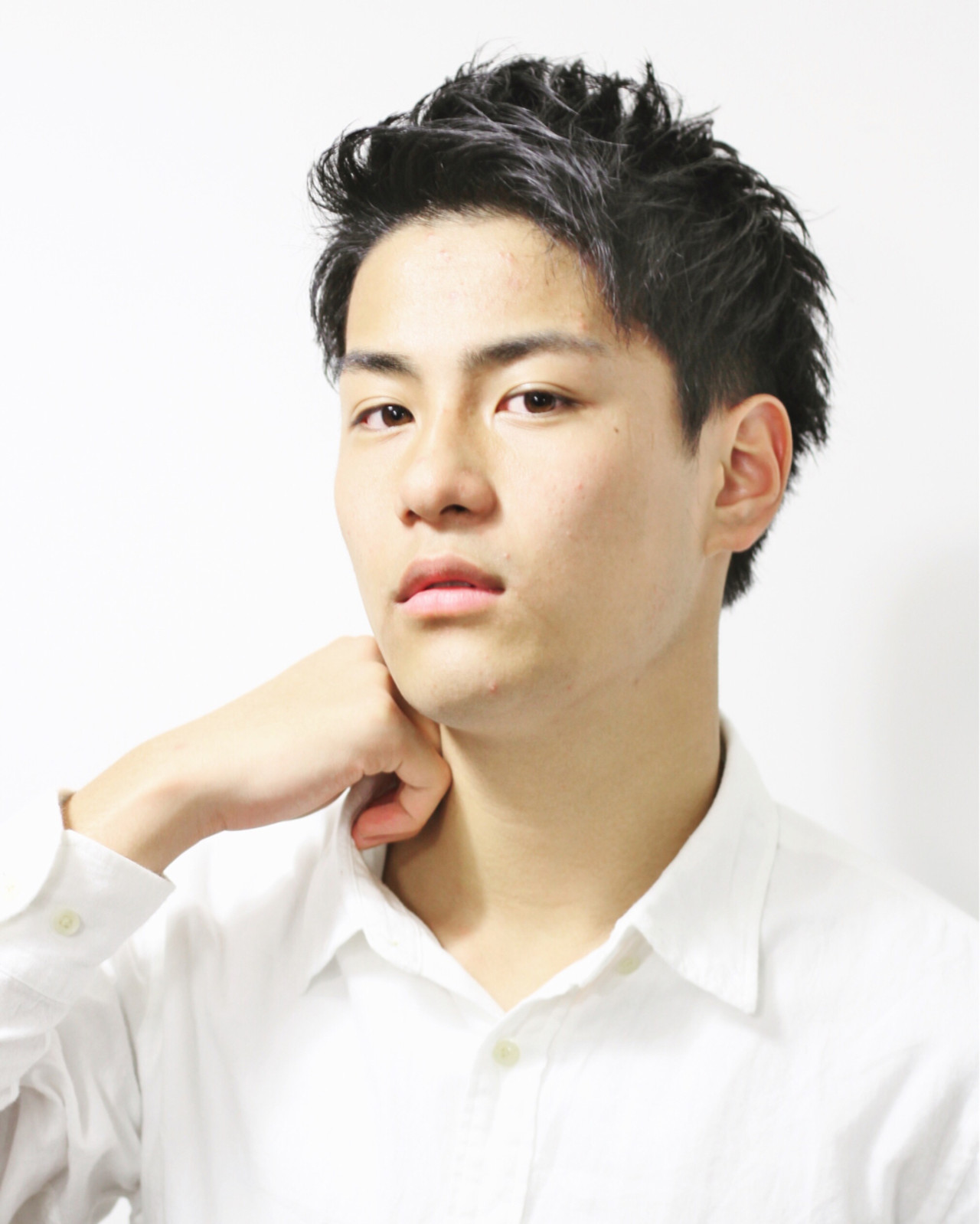 スポーツ オフィス デート パーマ ヘアスタイルや髪型の写真・画像 | Souichrou Kakisaka / QUONHEAL谷町店