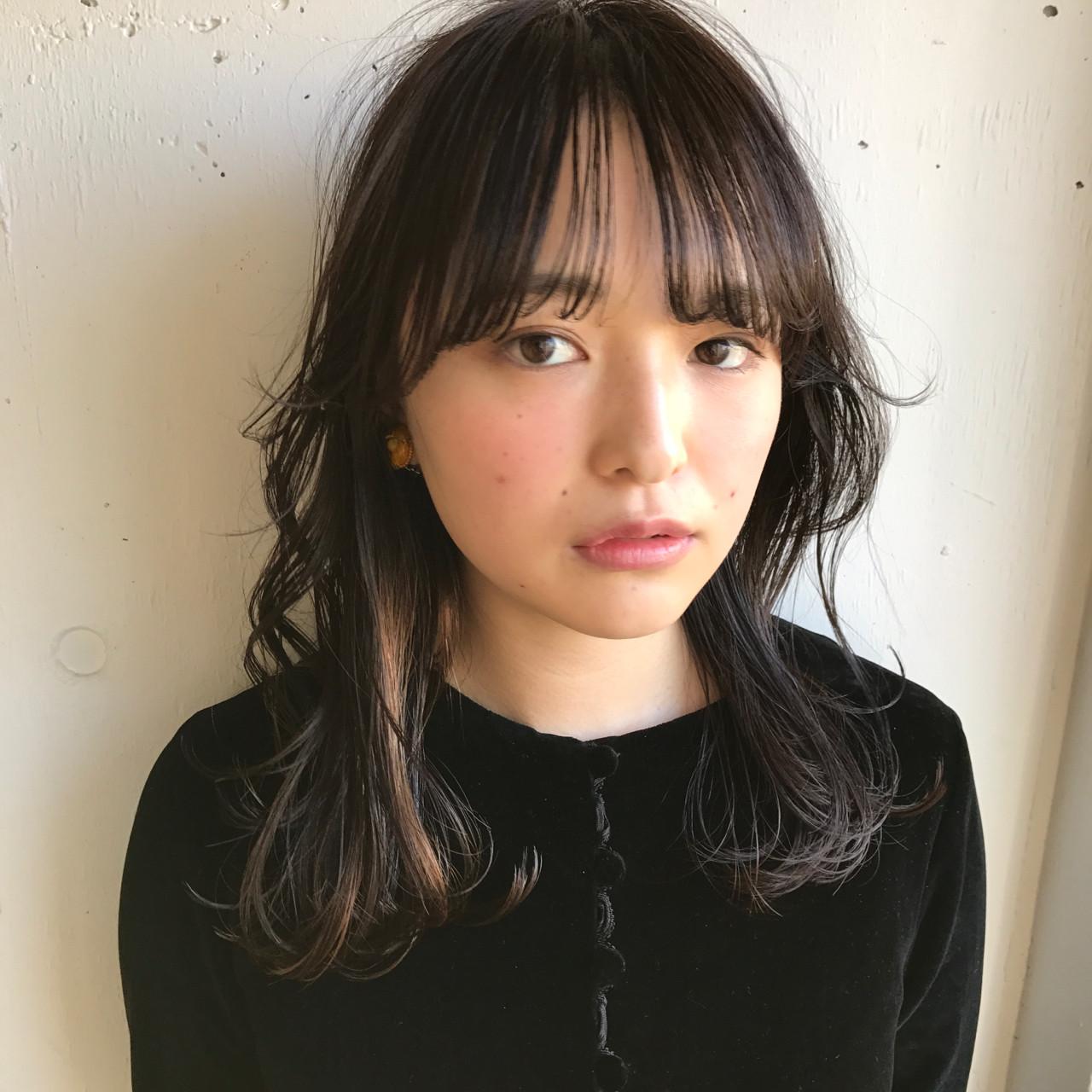 黒髪 ナチュラル パーマ セミロング ヘアスタイルや髪型の写真・画像 | 小西敬二郎 / Heartim
