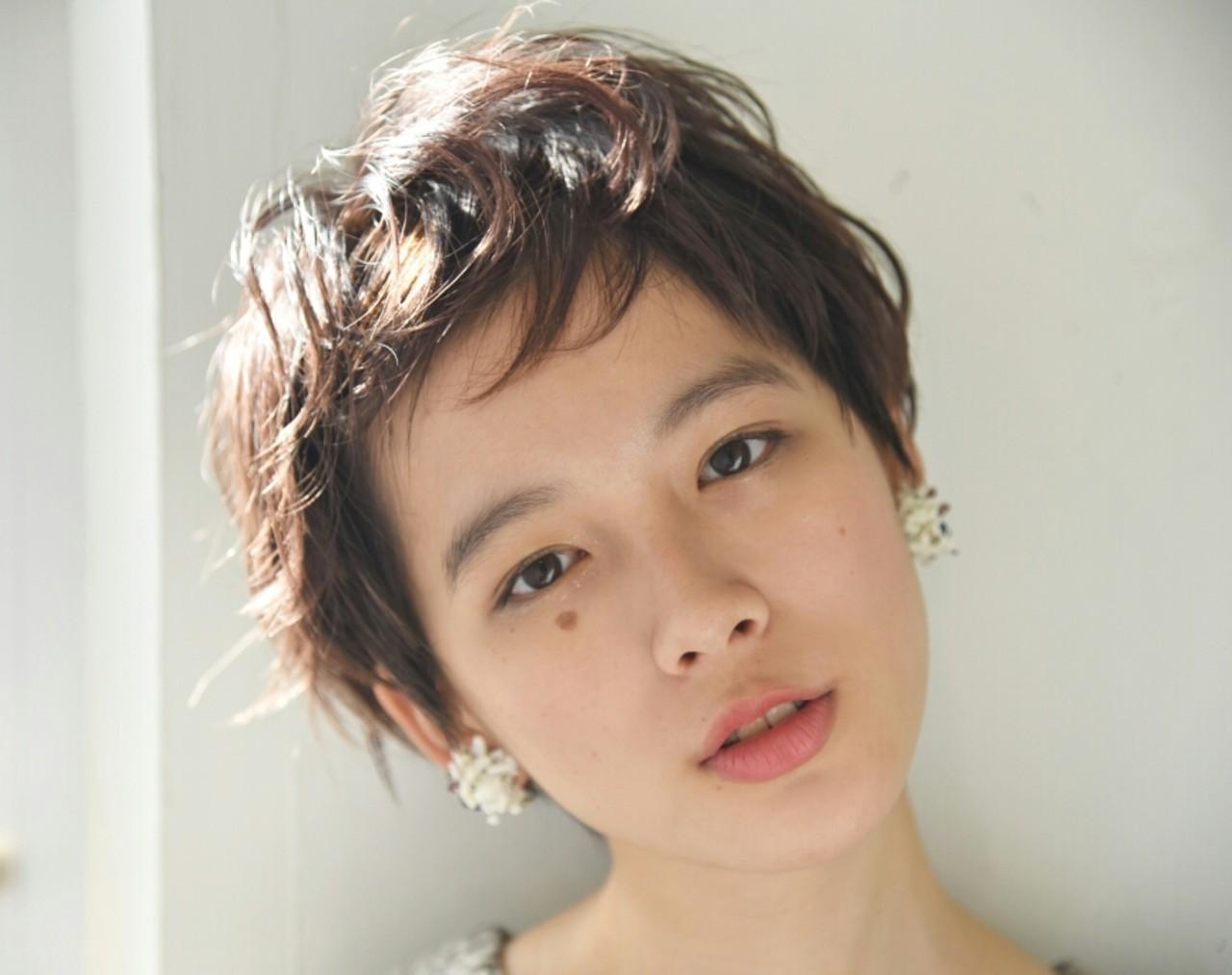 外国人風 デート パーマ ニュアンス ヘアスタイルや髪型の写真・画像 | 山口 華絵 Lépés Nakameguro / Lépés