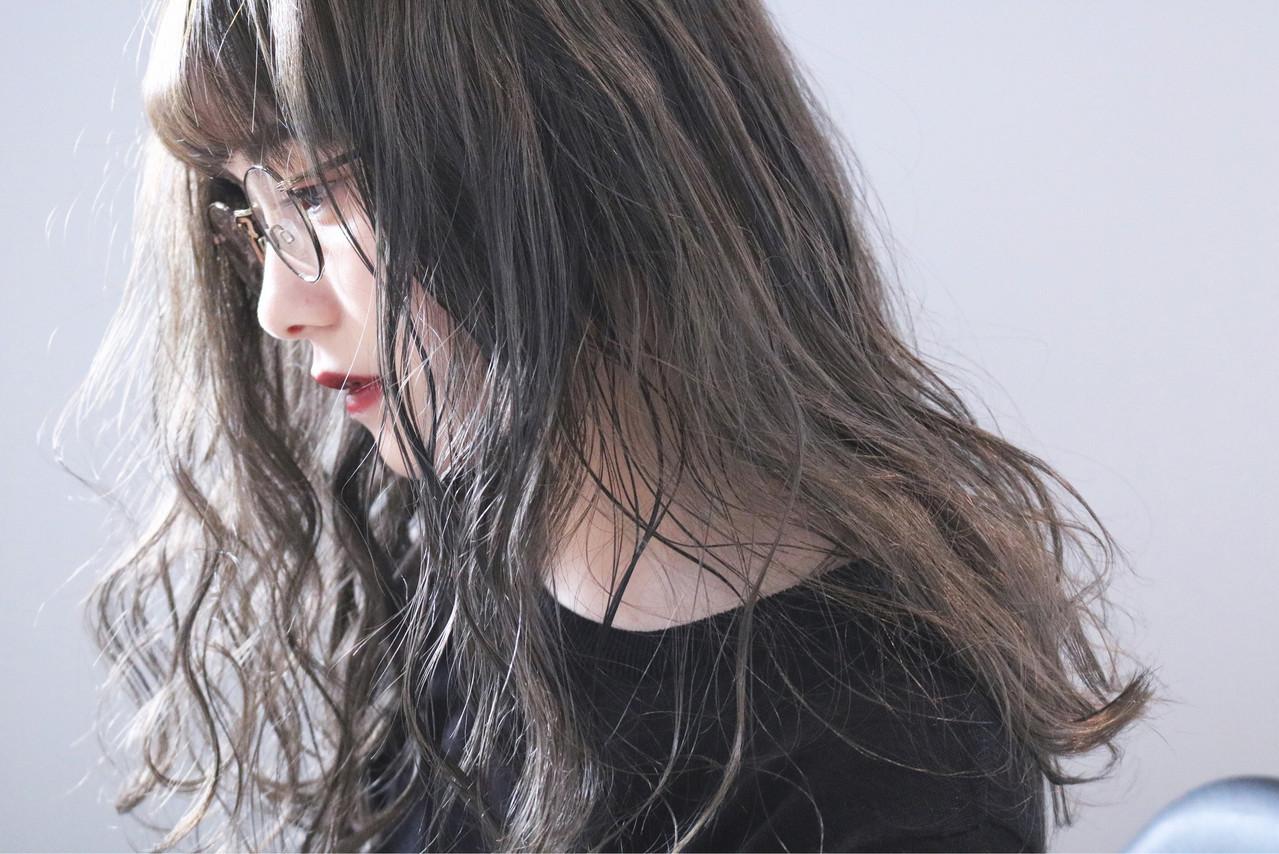 ミルクティーグレージュ 大人女子 ロング グレージュ ヘアスタイルや髪型の写真・画像
