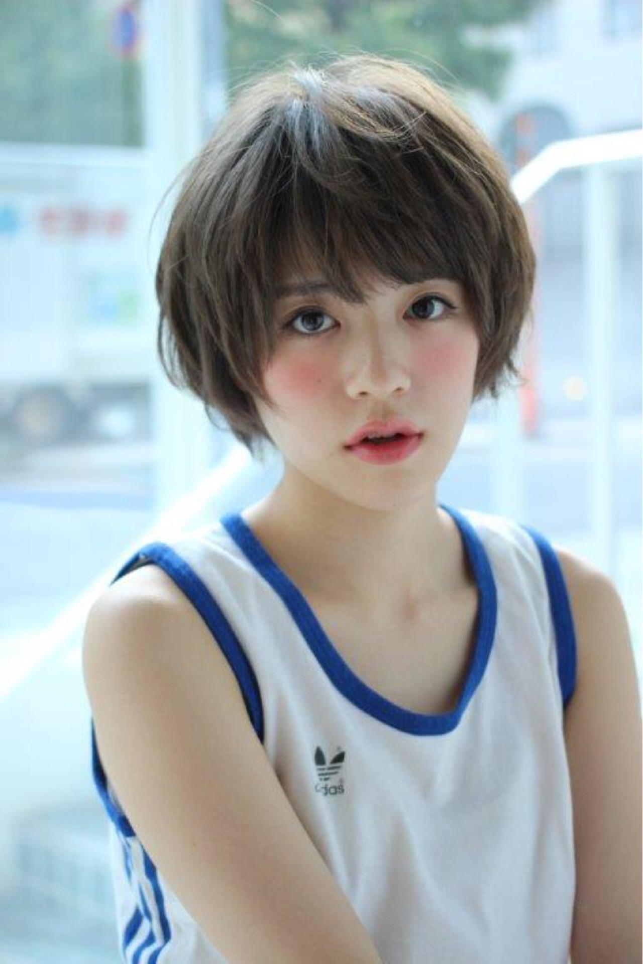 レイヤーカット キュート ショートボブ ラフ ヘアスタイルや髪型の写真・画像   切りっぱなしボブを流行らせた人 Un ami増永 / Un ami omotesando