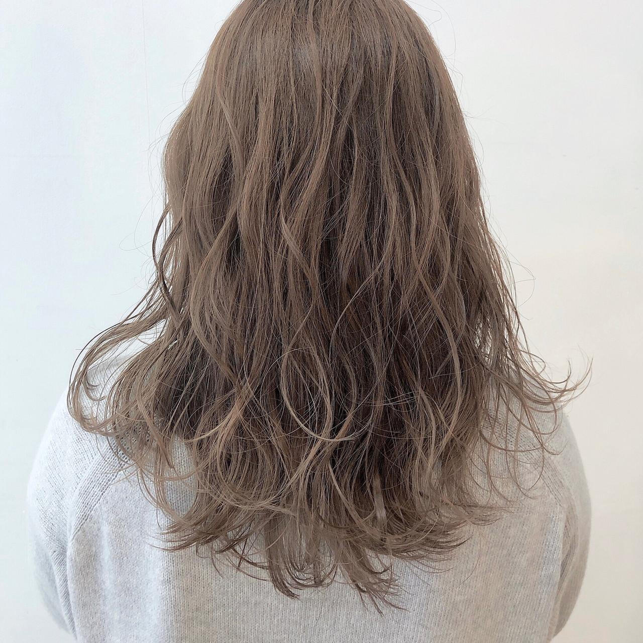ミルクティーベージュ ロング ミルクティーアッシュ ミルクティー ヘアスタイルや髪型の写真・画像 | 山室亮太 / velta