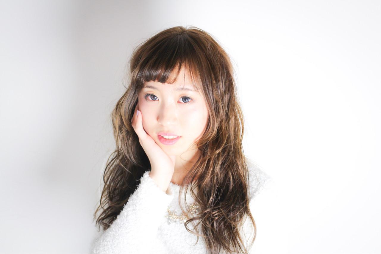 小顔 大人女子 ニュアンス かわいい ヘアスタイルや髪型の写真・画像